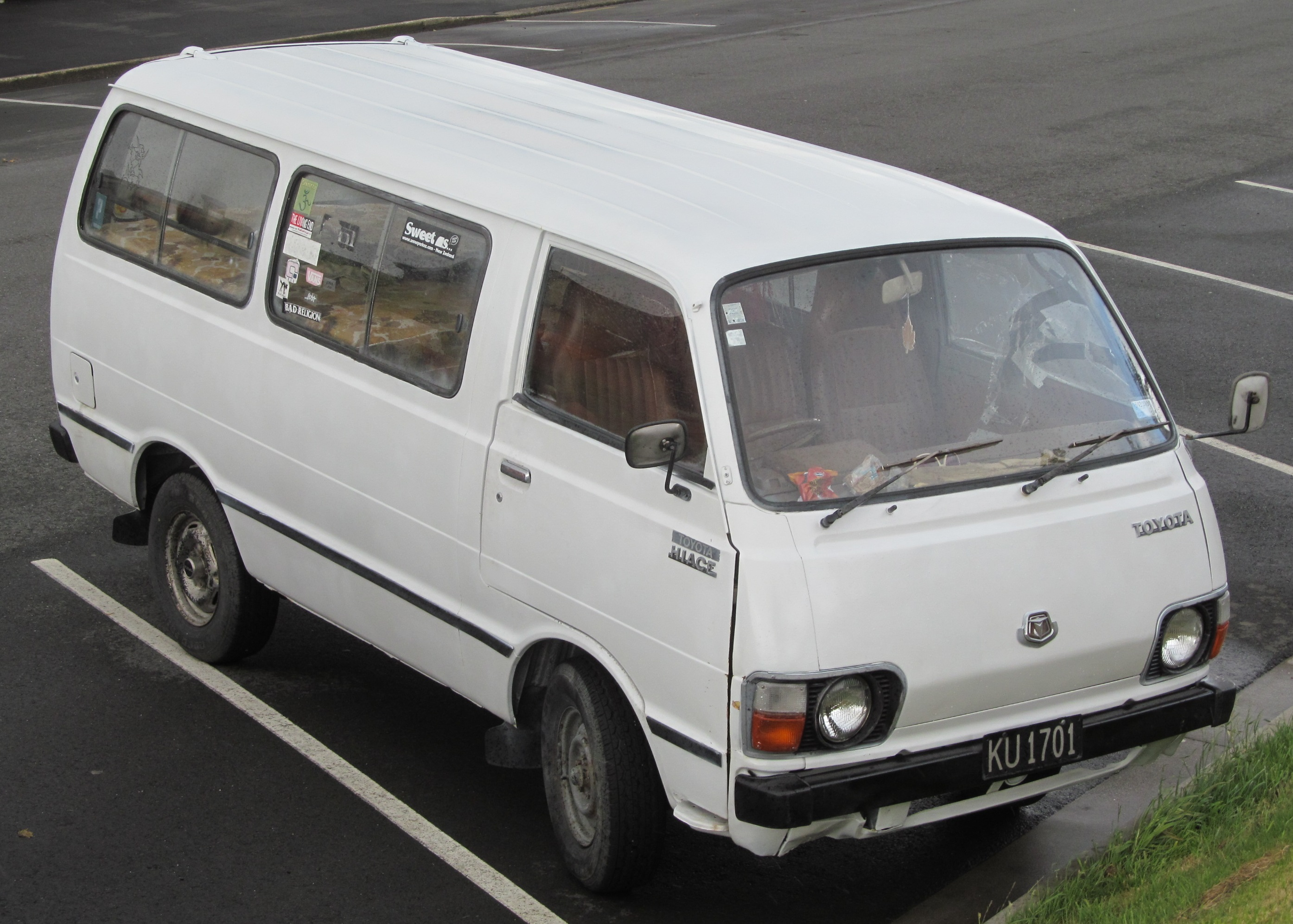 file 1982 toyota hiace rh22 new zealand jpg wikipedia. Black Bedroom Furniture Sets. Home Design Ideas