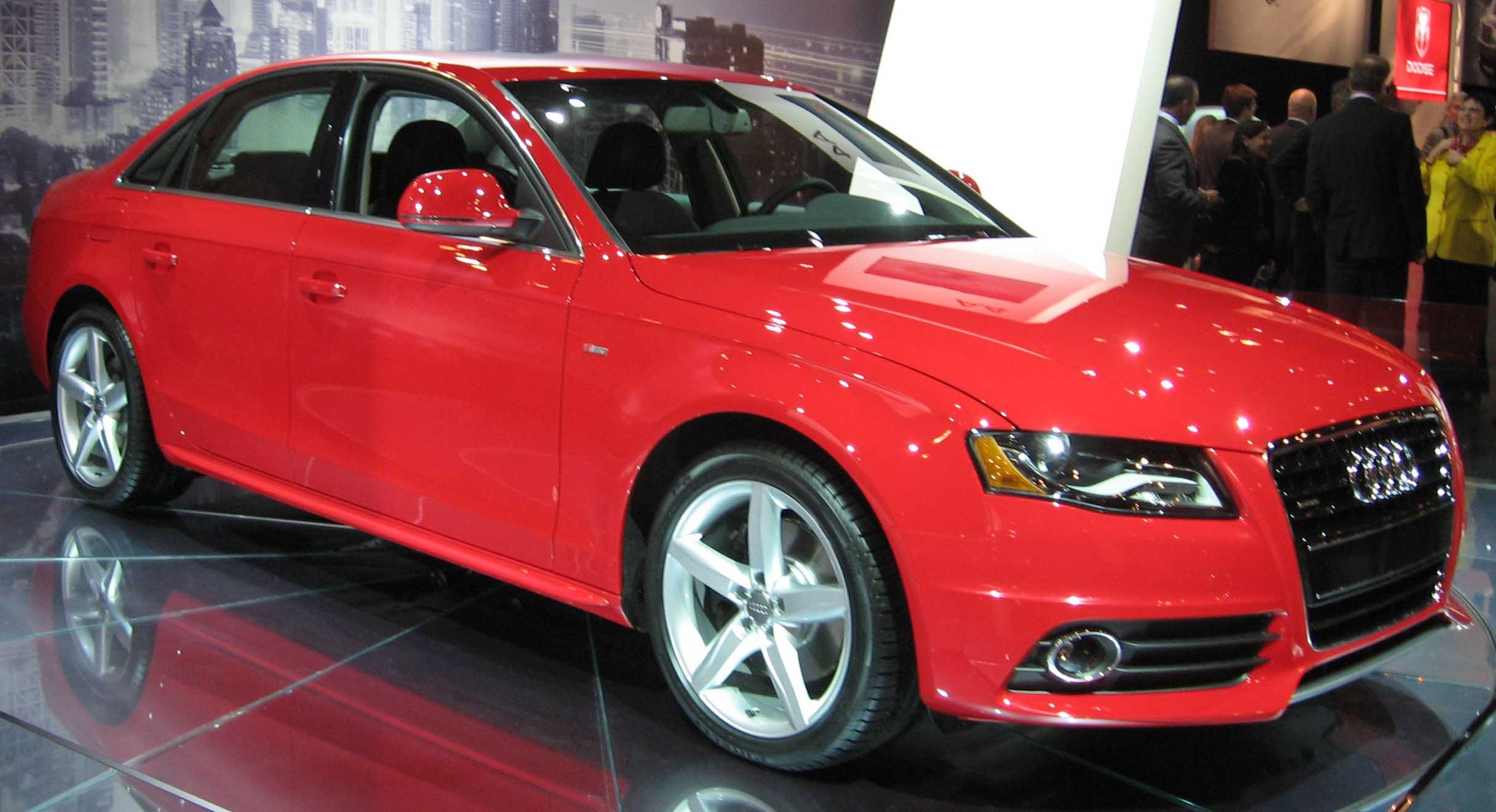 File:2009 Audi A4 sedan NY.jpg - Wikimedia Commons