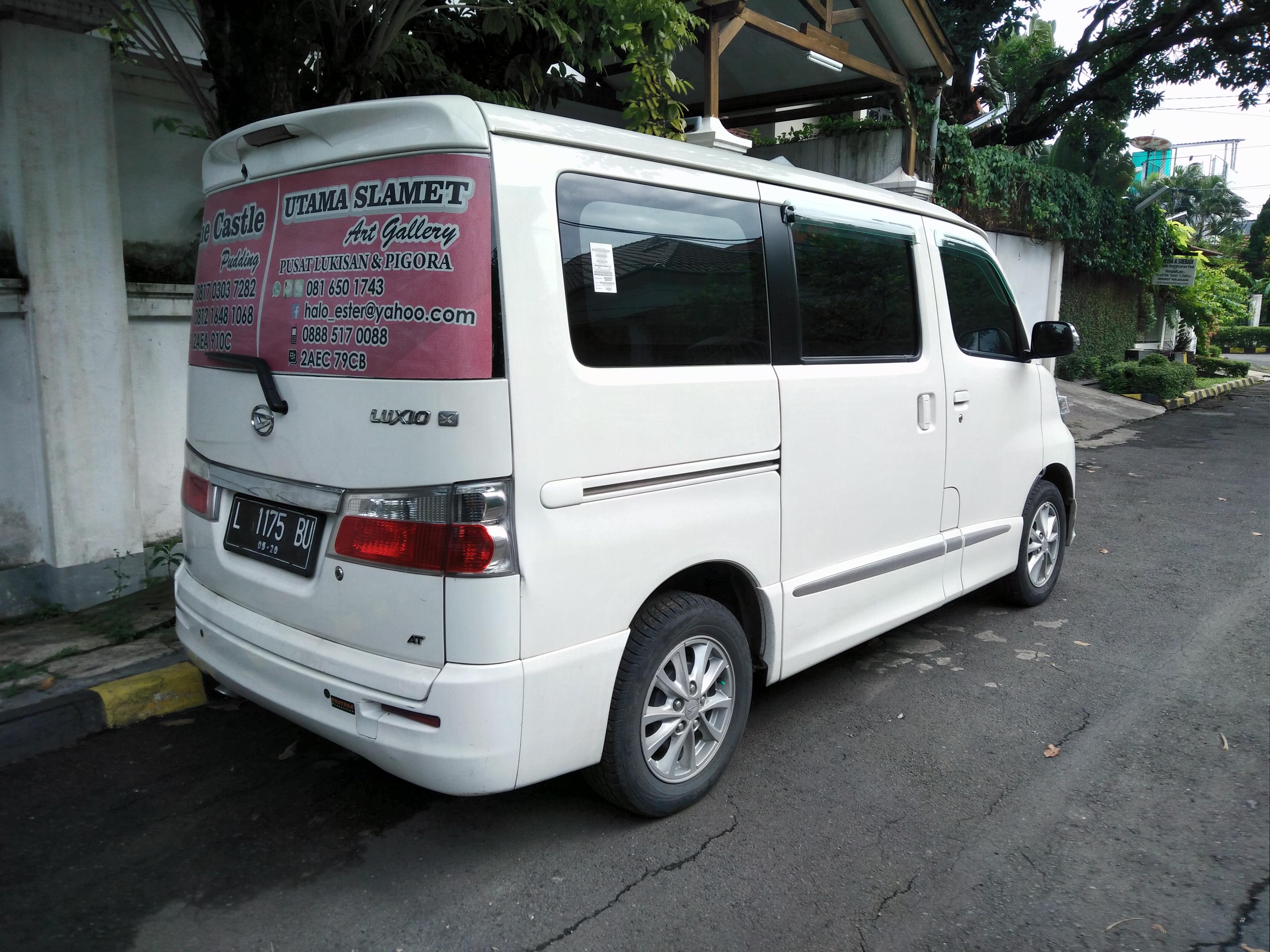 File2015 Daihatsu Luxio 15 X AT Facelift Rear West