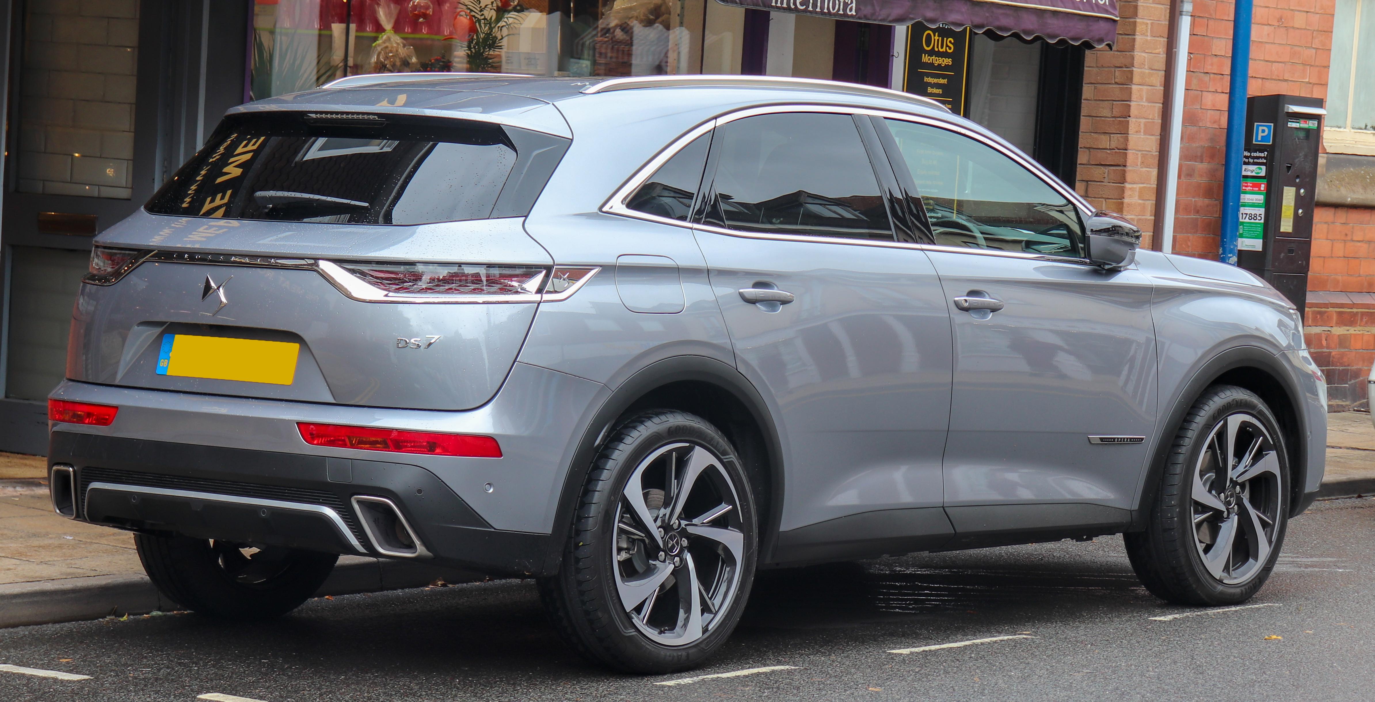 2021 - [Peugeot] 308 SW [P52] - Page 2 2018_DS_7_Crossback_Ultra_Prestige_PTC_1.6_Rear