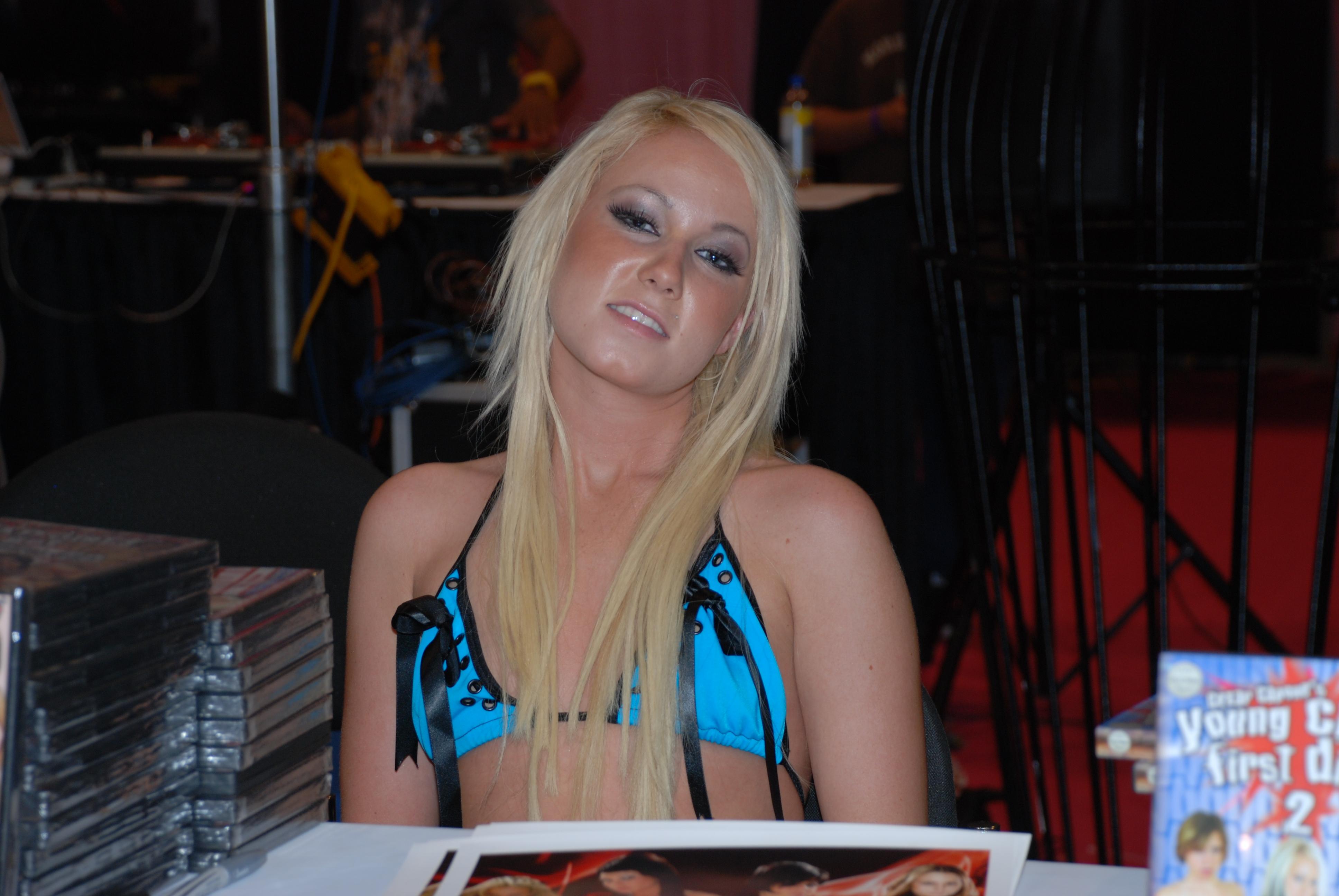 Alexia Sky Nude Photos 14