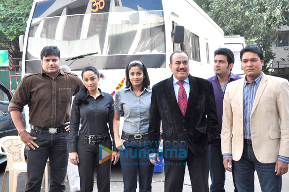 चित्र:CID TV Serial Team.jpg