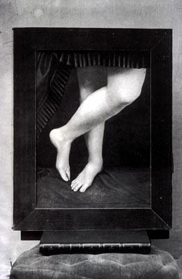 http://upload.wikimedia.org/wikipedia/commons/f/f0/Castiglione_legs.jpg