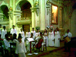 A choir in the church of San Xavier. Coro misional11.jpg