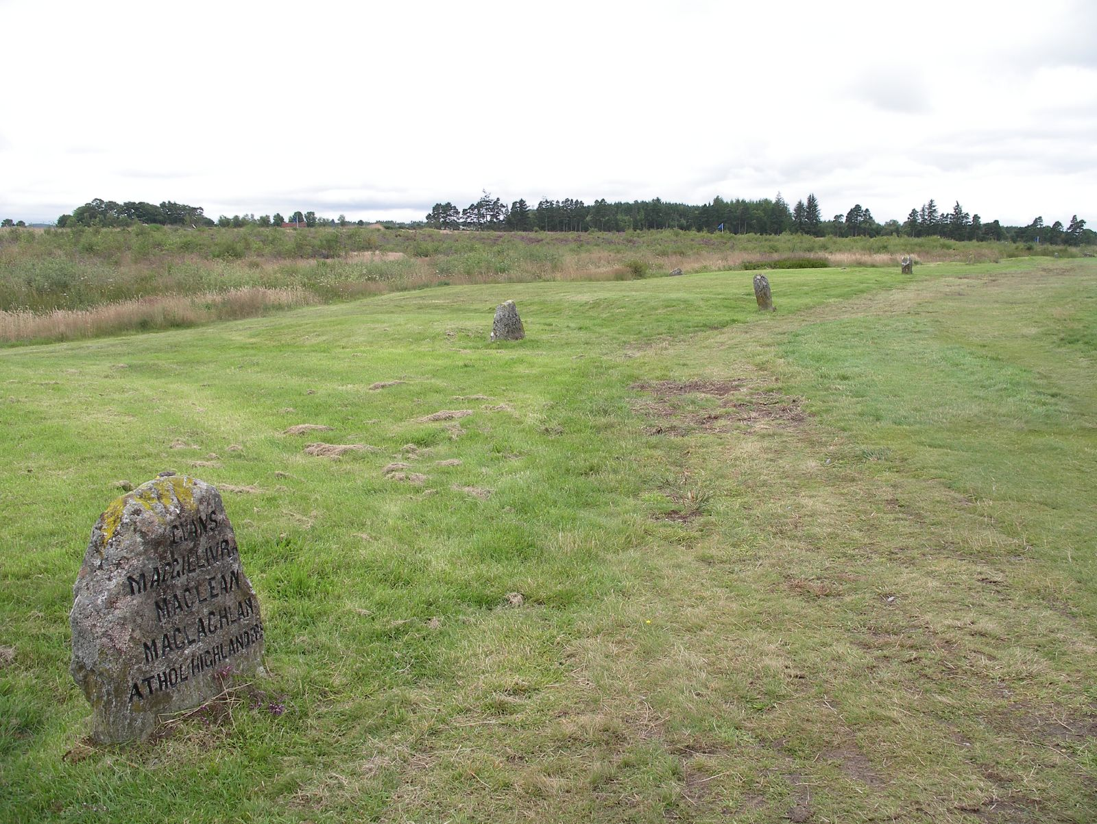 Where is this? Culloden_grave_%28road_and_three_graves%29