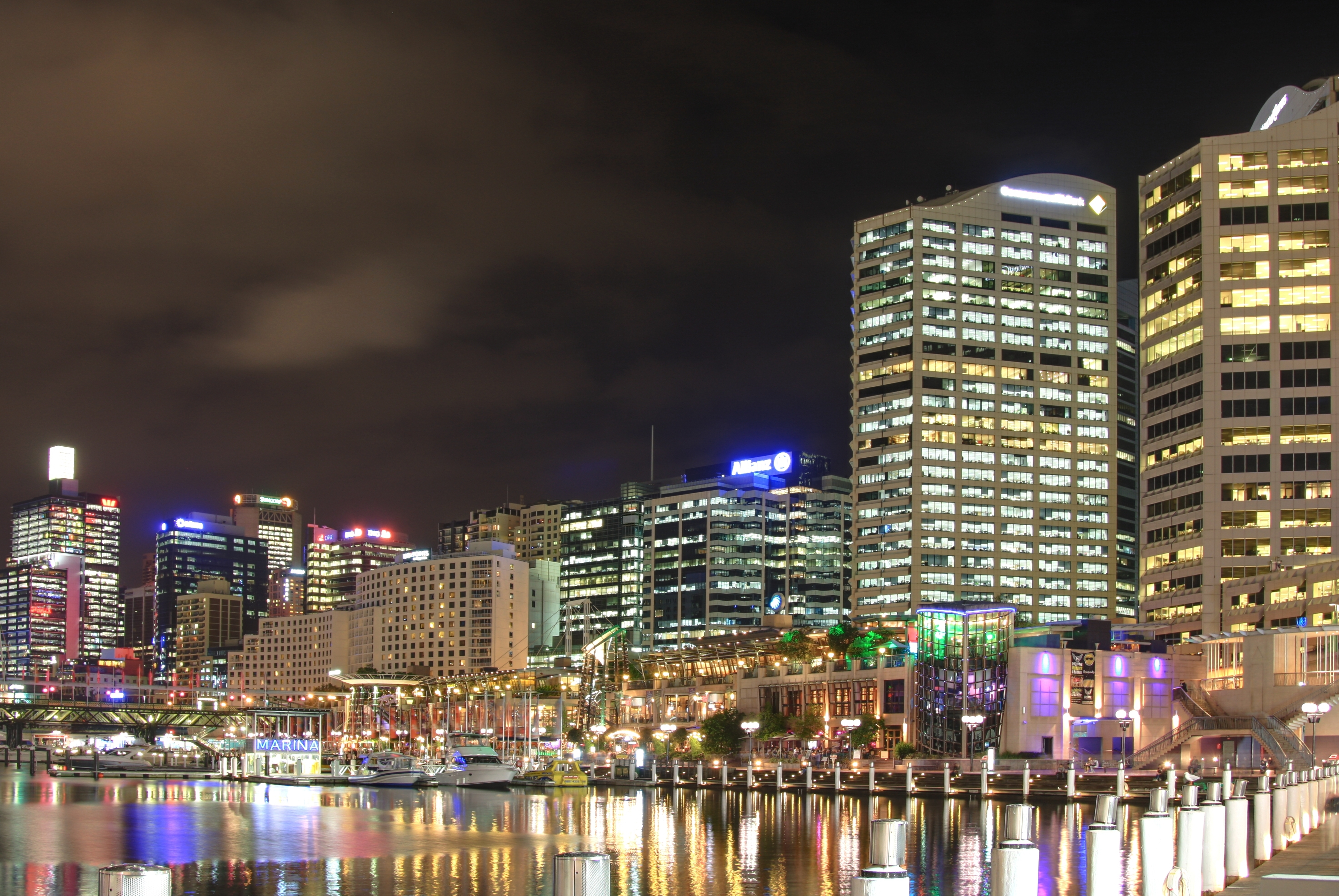 how to get to darling harbour