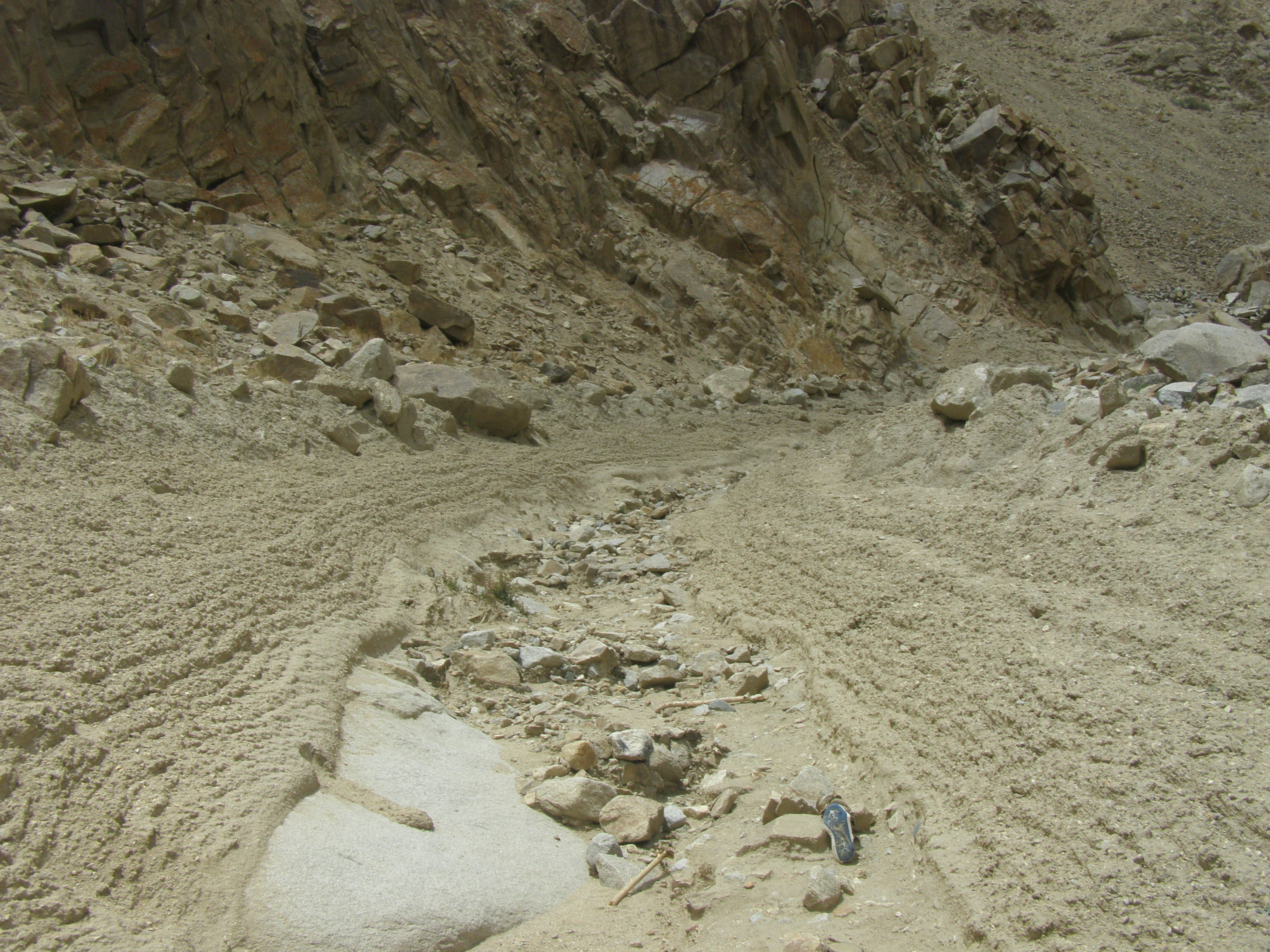 File debris flow channel ladakh nw indian himalaya jpg for Soil and geology