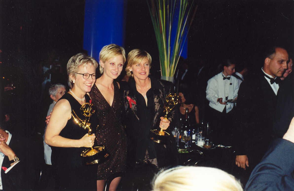 File:Ellen DeGeneres, Anne Heche (210980504).jpg ...