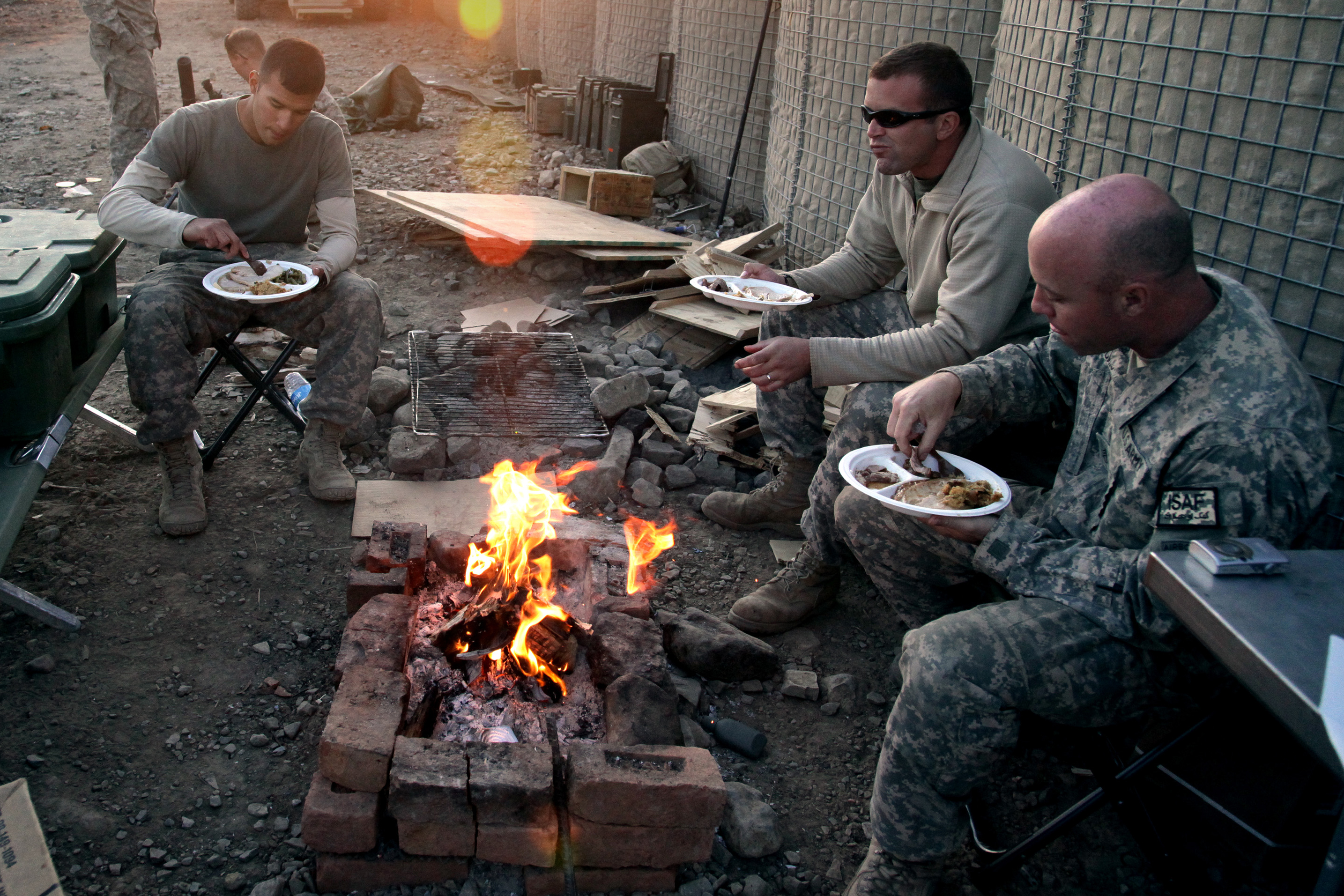 http://upload.wikimedia.org/wikipedia/commons/f/f0/Flickr_-_The_U.S._Army_-_Thanksgiving_on_Combat_Outpost_Cherkatah,_Khowst_province,_Afghanistan.jpg
