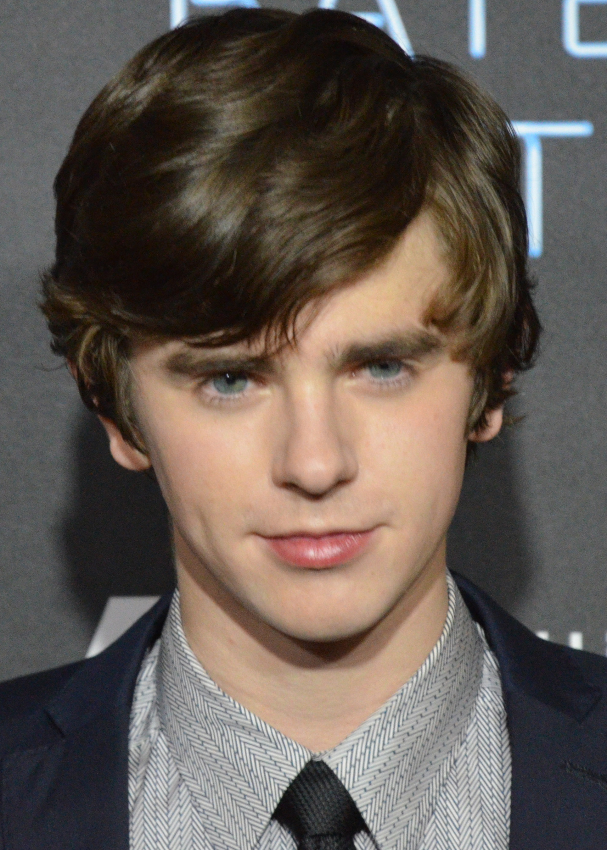 Picture of an author: Freddie Highmore