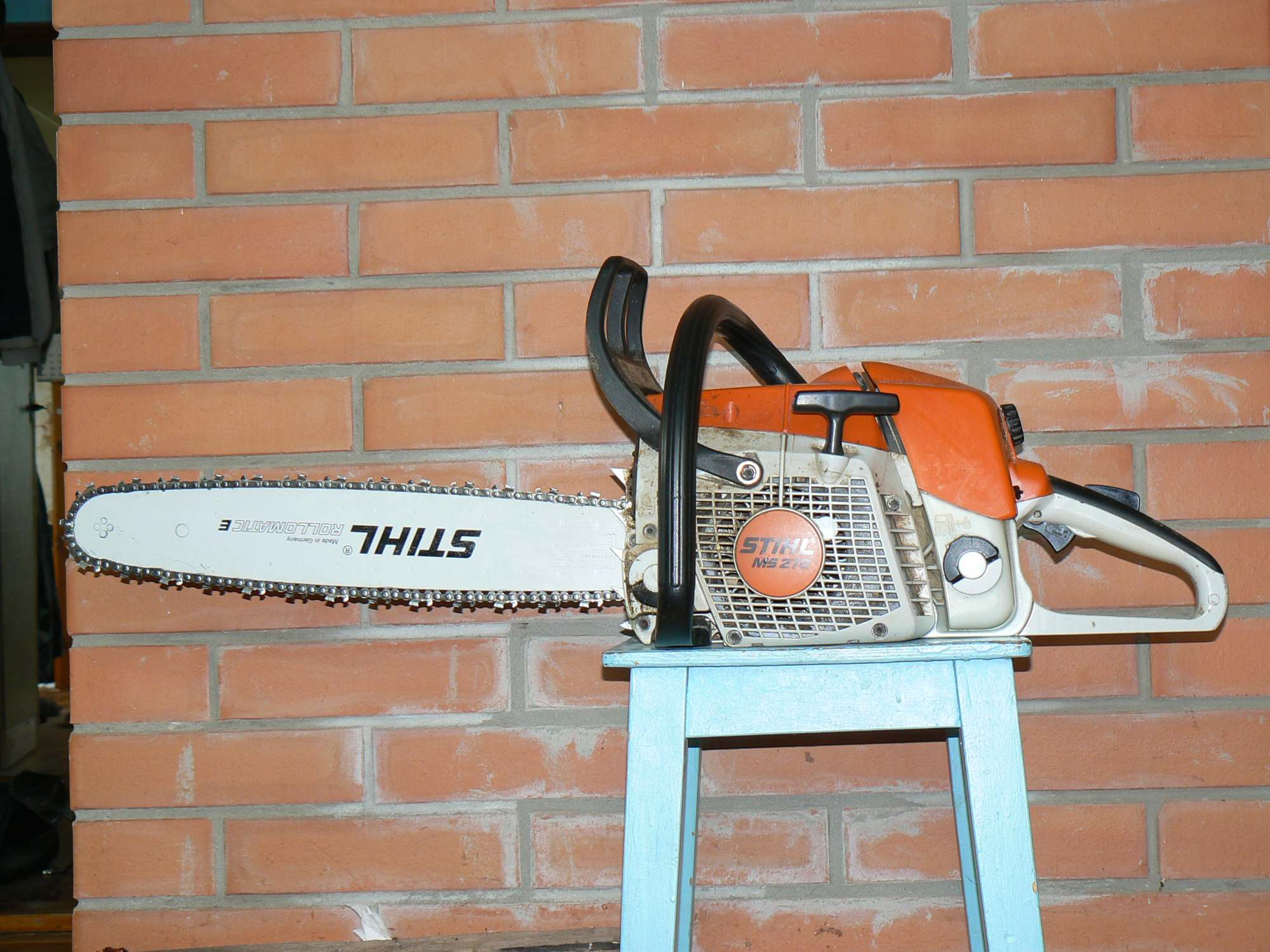 Chainsaw diy forums a chain saw that has sat for a long period of time between uses normally has fuel left in the tank this leftover fuel will often turn into a sludgy greentooth Image collections