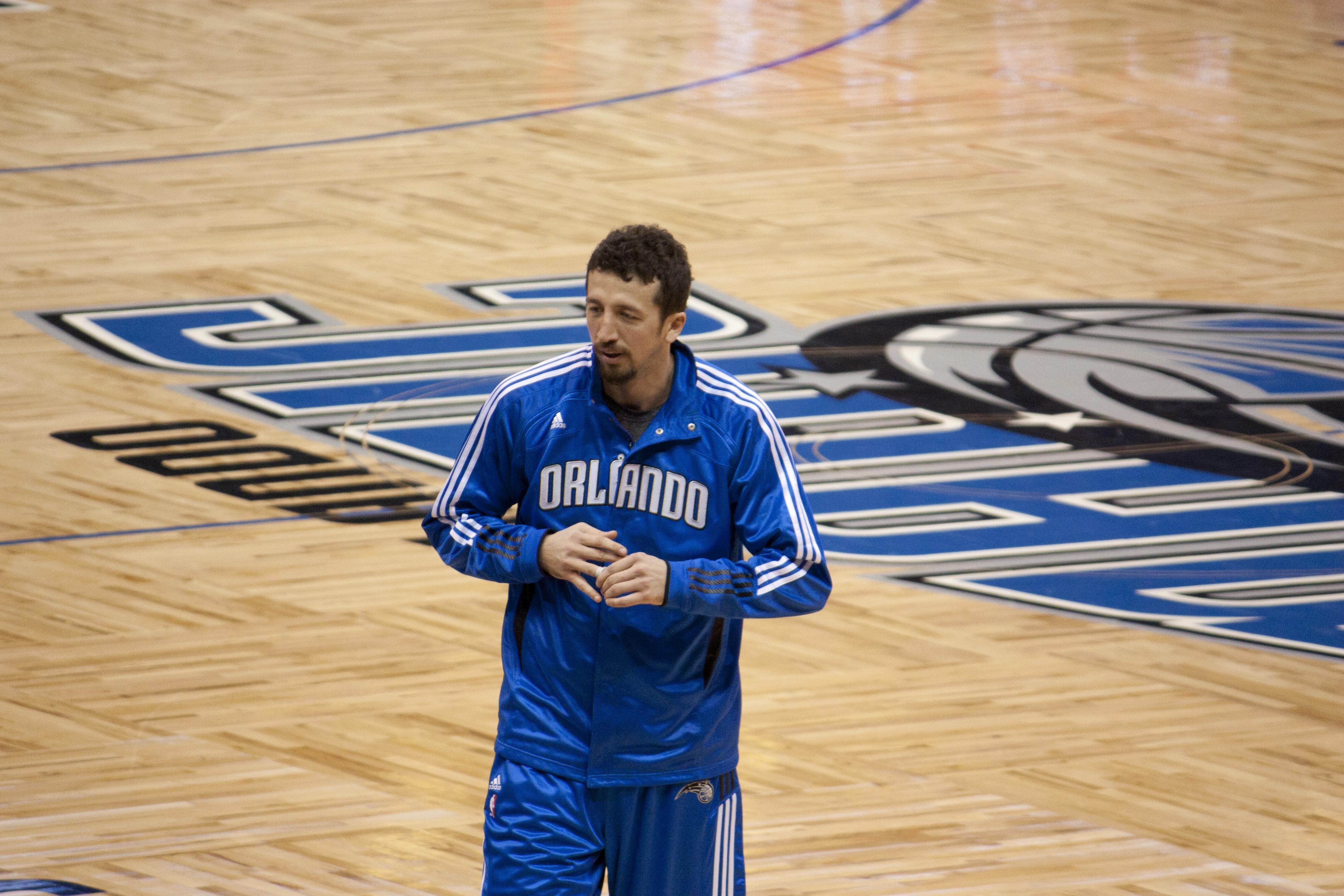 File Hedo Türkoğlu Spurs Magic 2010 Wikimedia mons