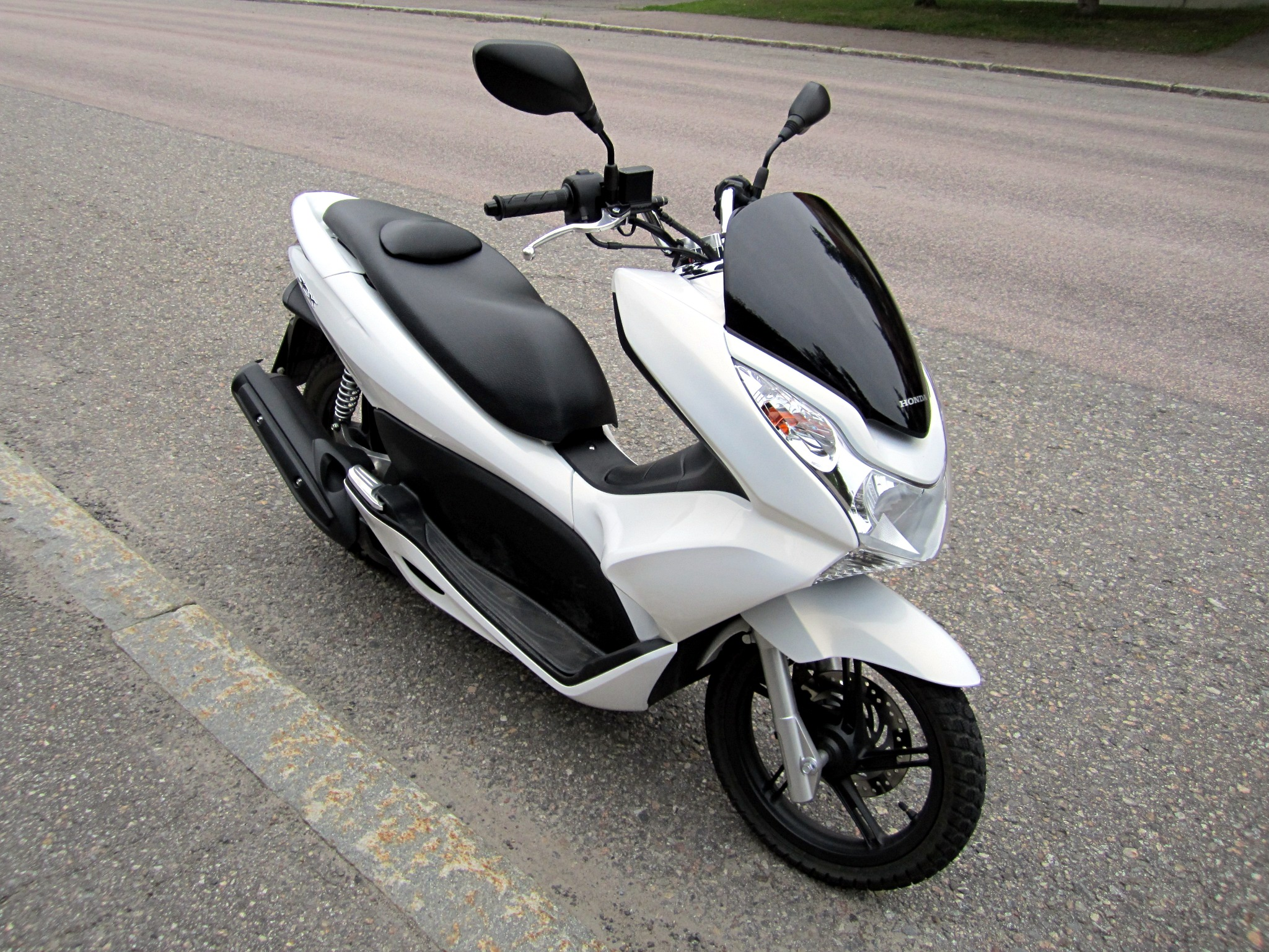 Welp Honda PCX - Wikipedia VV-88