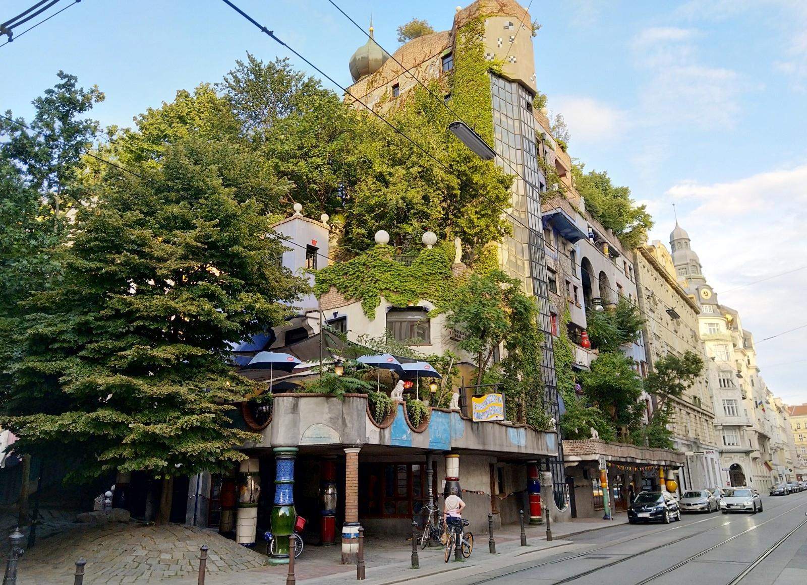 File:Hundertwasserhaus (Vienna, Austria) (Wien, Itävalta) 2018 08 ...