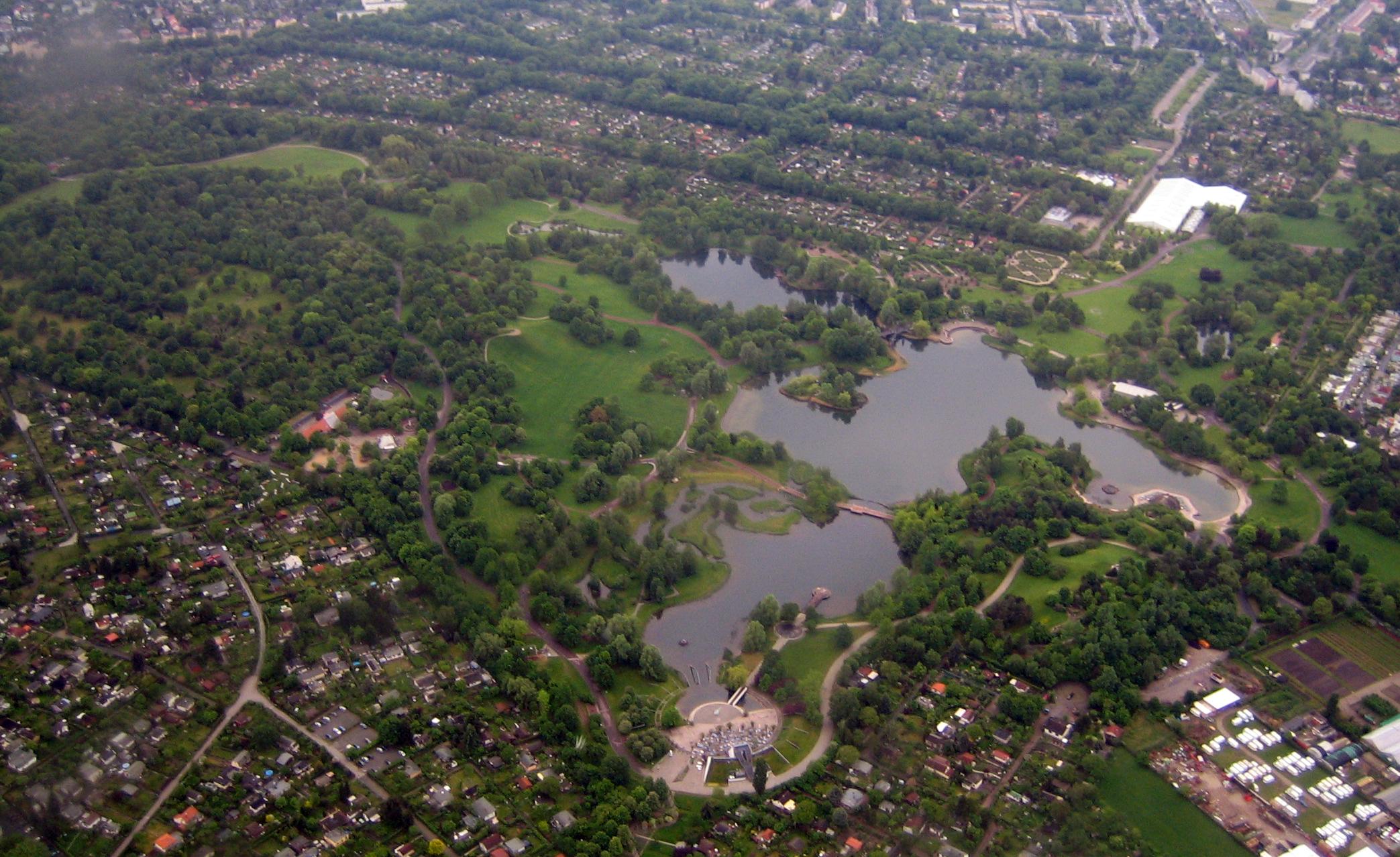 7a906bd130bd69 Britzer Garten - Wikipedia