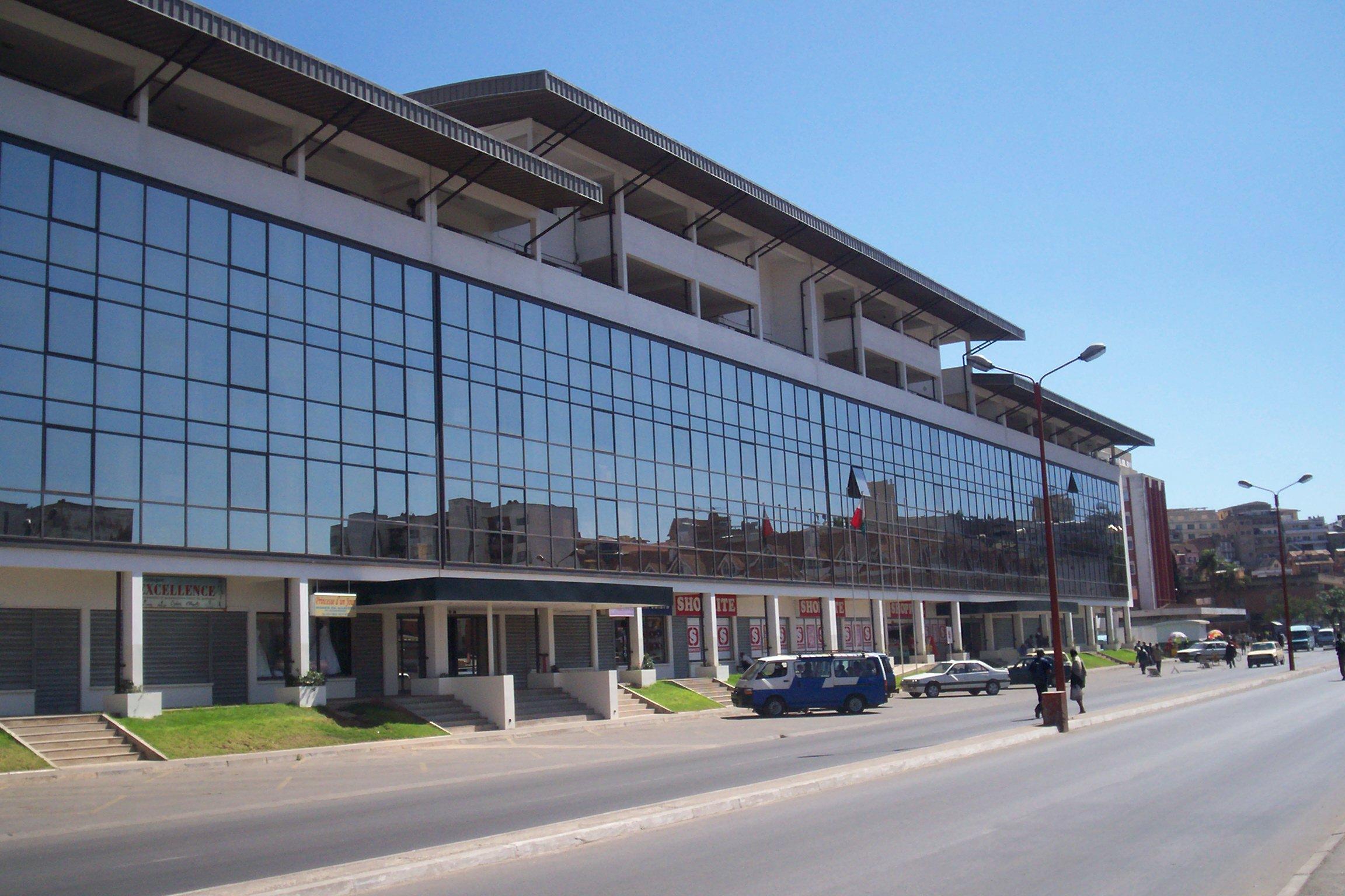 """Résultat de recherche d'images pour """"Immeuble Aro Ampefiloha, Antananarivo"""""""