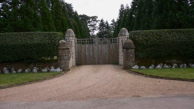 Gertrude Jekyll Gardens >> Hascombe Court - Wikipedia