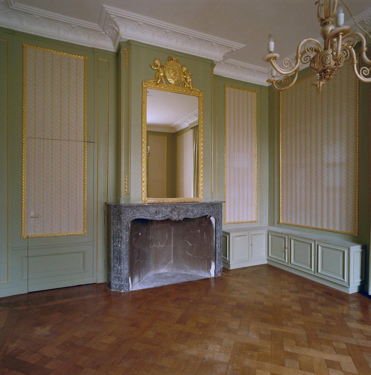 File:Interieur, schouw met spiegel in bovenstuk - Renkum - 20338772 ...