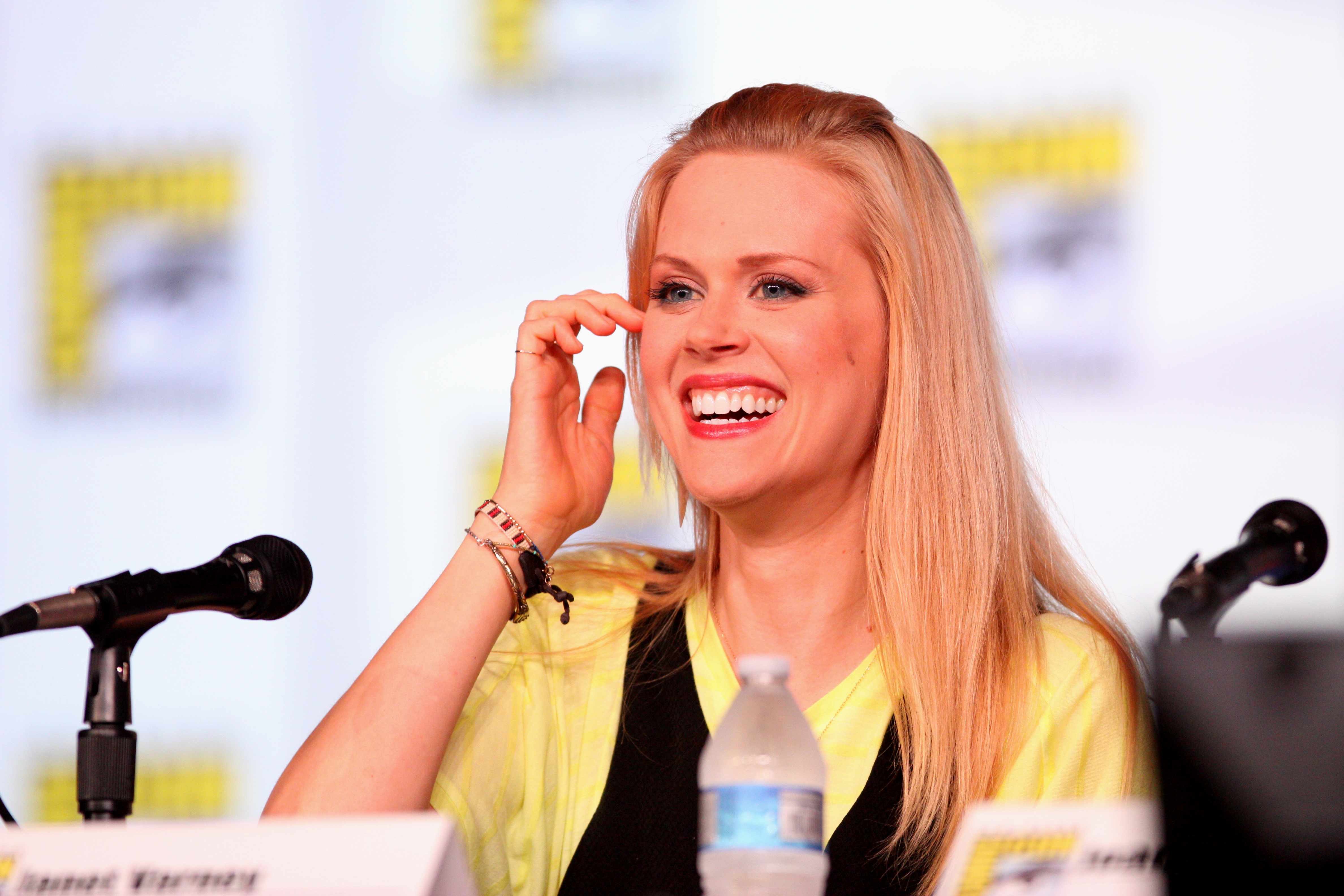 janet varney singing