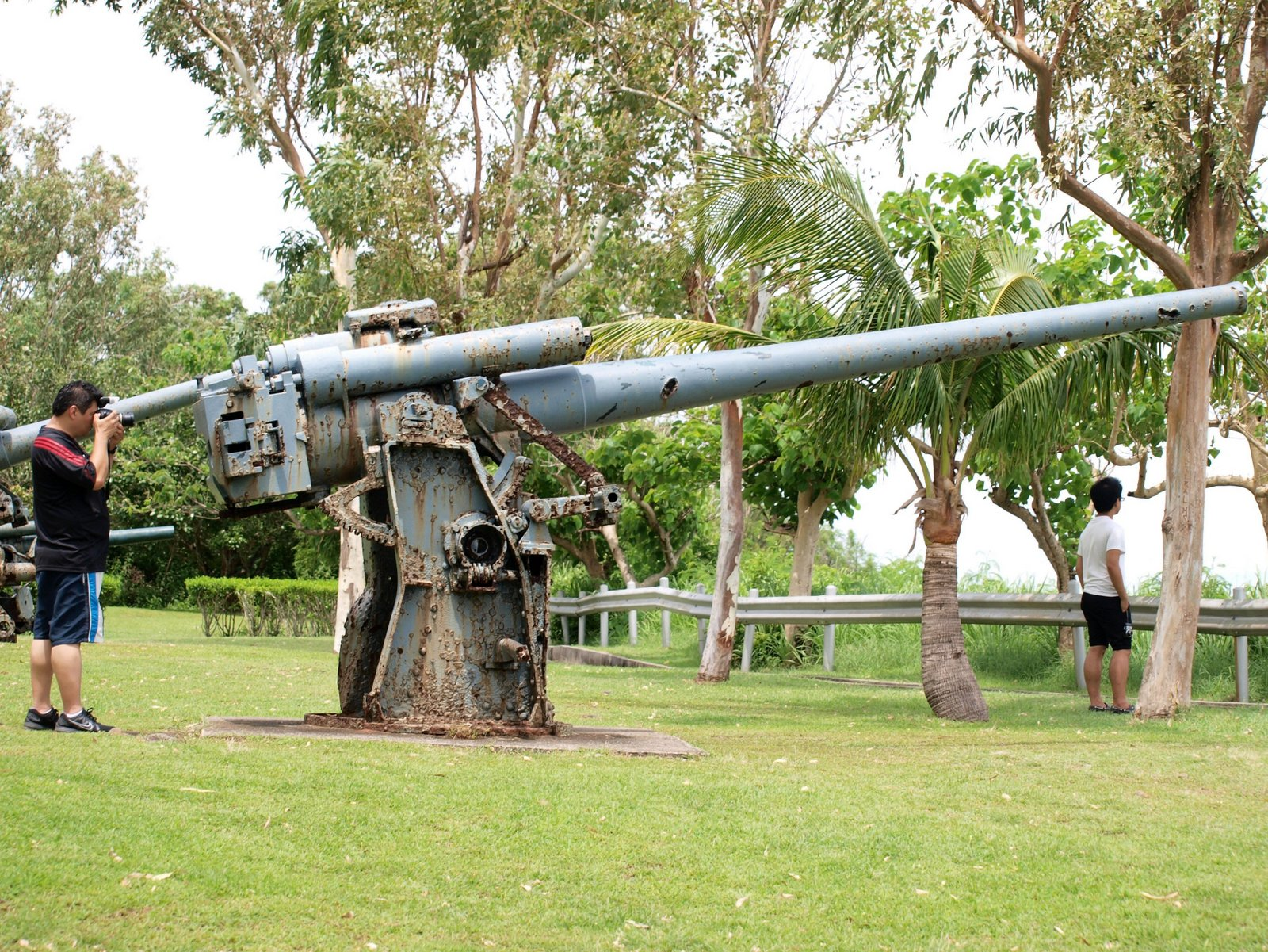 file japanese 120 mm aa gun on corregidor flickr. Black Bedroom Furniture Sets. Home Design Ideas
