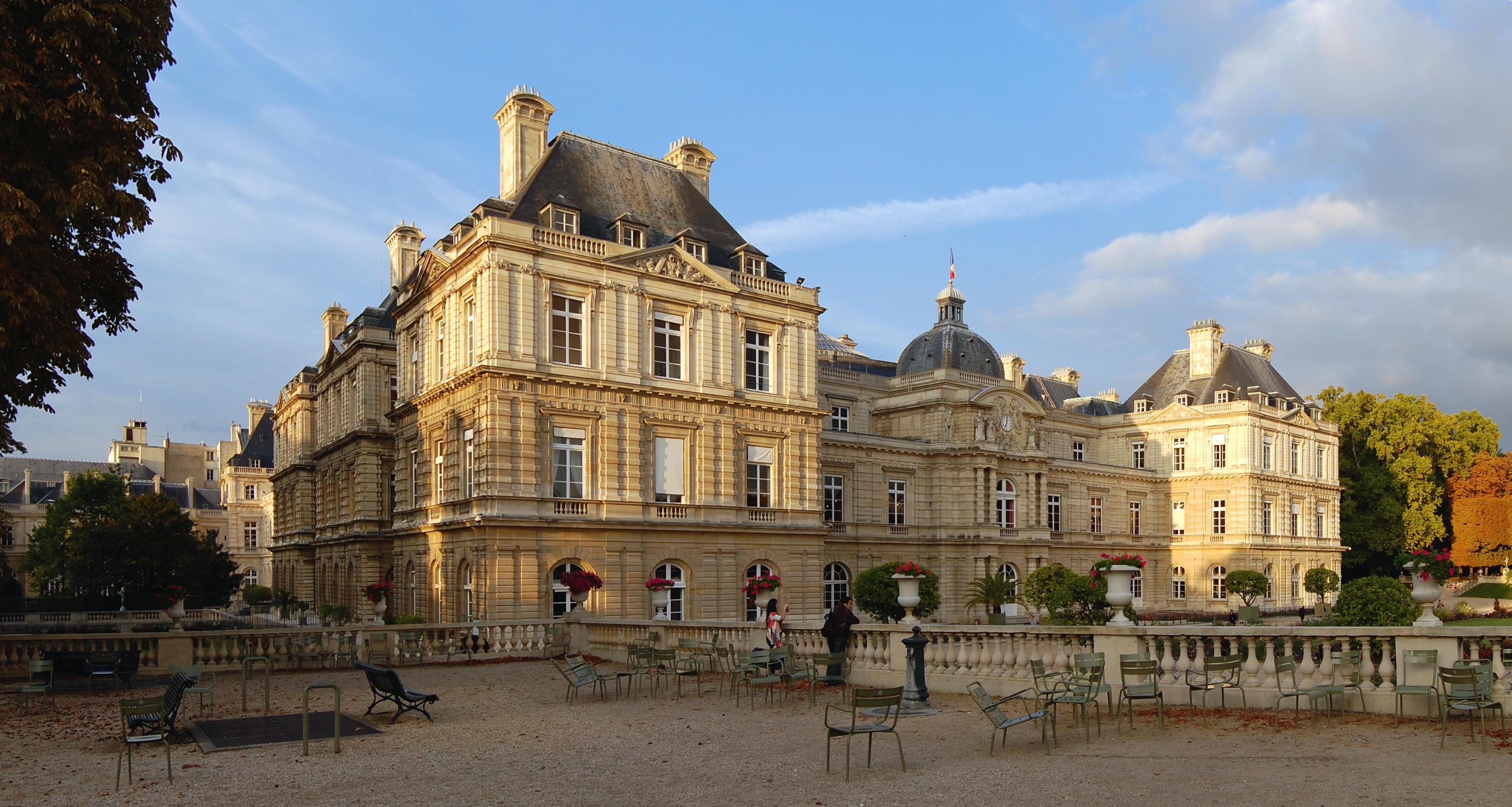 Fichier:Jardin du Luxembourg 2010.jpg — Wikipédia