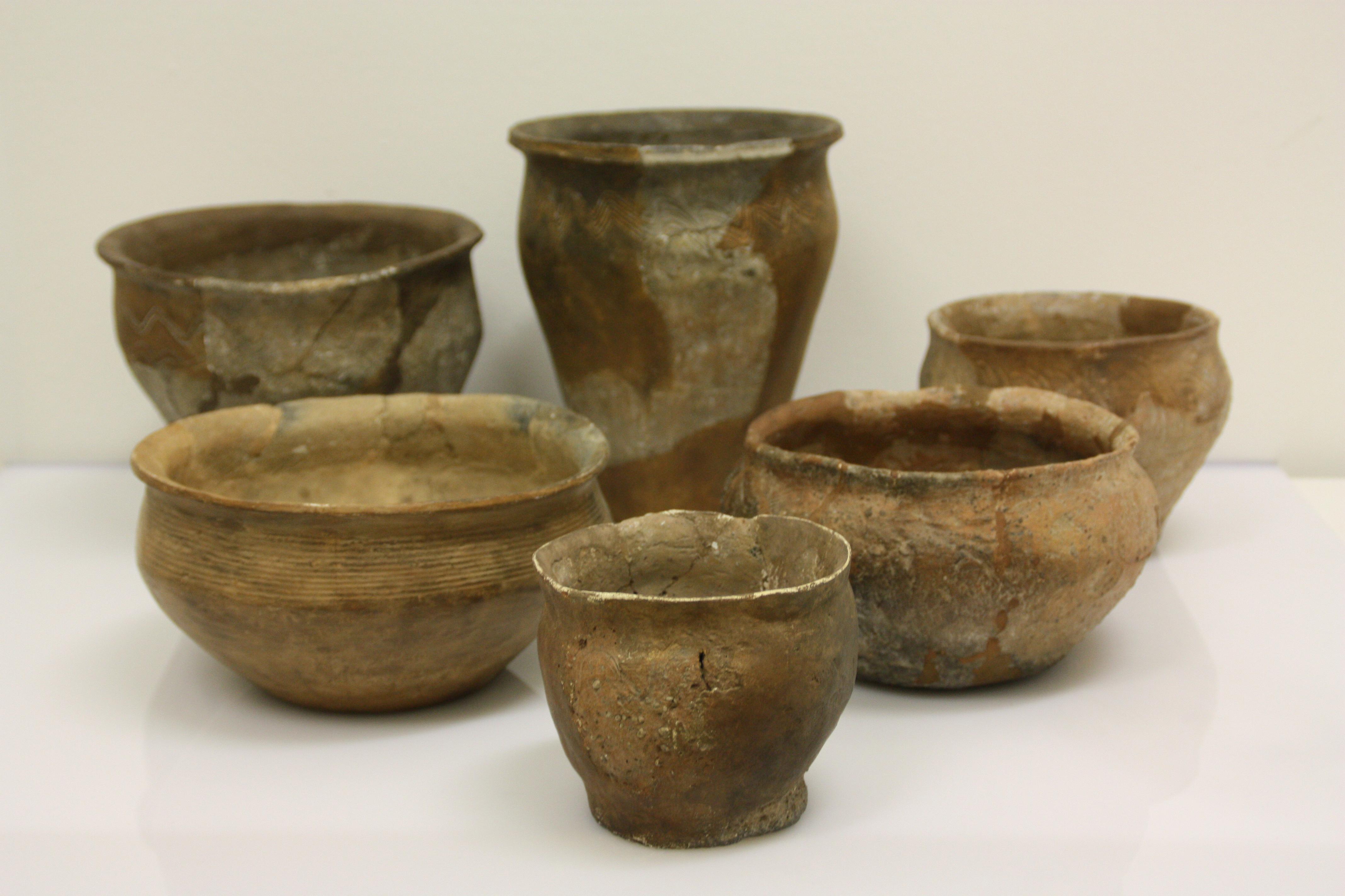 keramik Datei:Jena Lobeda, Johannisberg, Fruehmittelalterliche Keramik  keramik