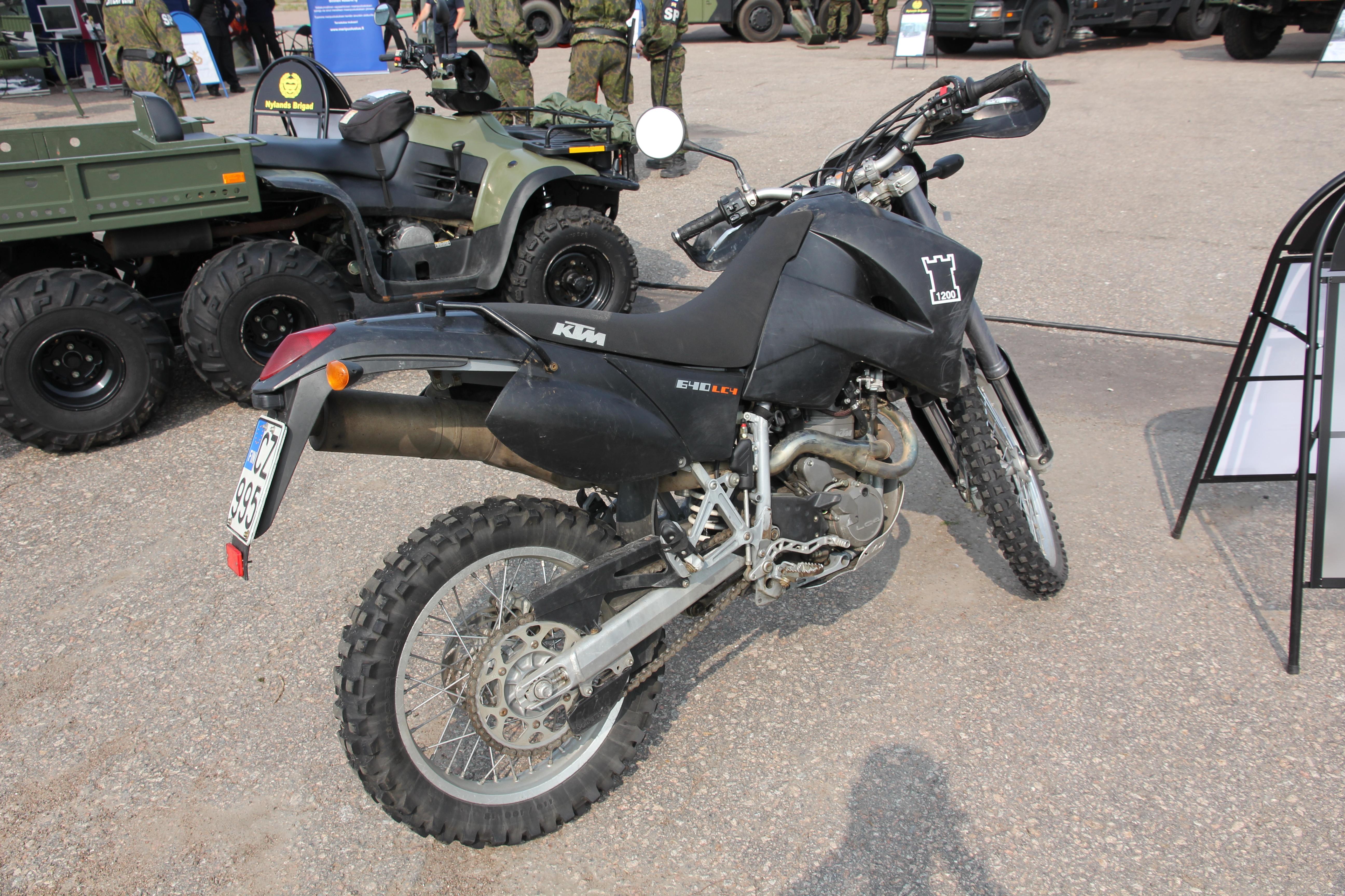 File:KTM 640 LC4 Enduro Kotka 2013.JPG - Wikimedia Commons