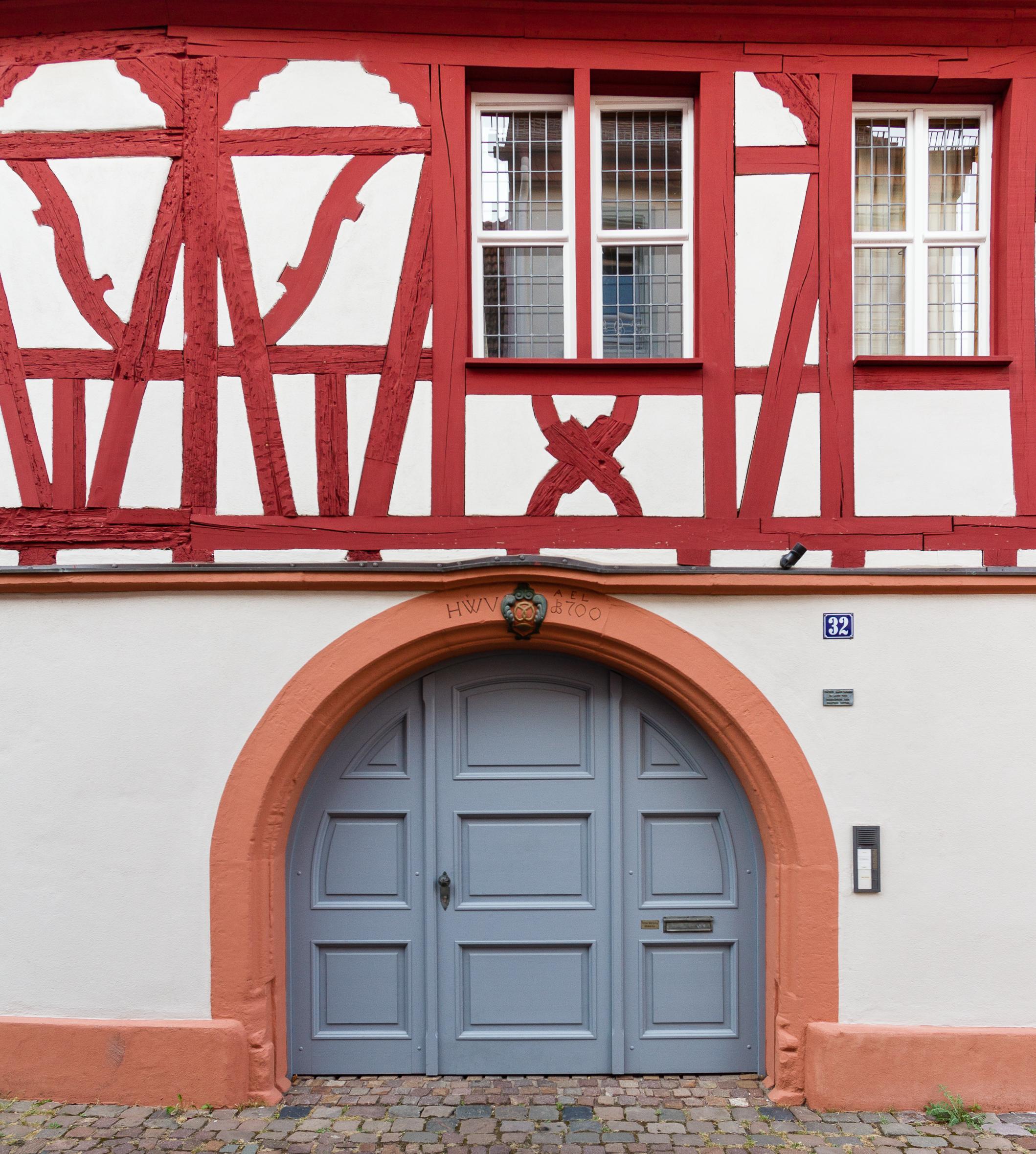 File:Kulturdenkmaeler Neustadt Rathausstraße 32 003 2016 09 14.jpg ...