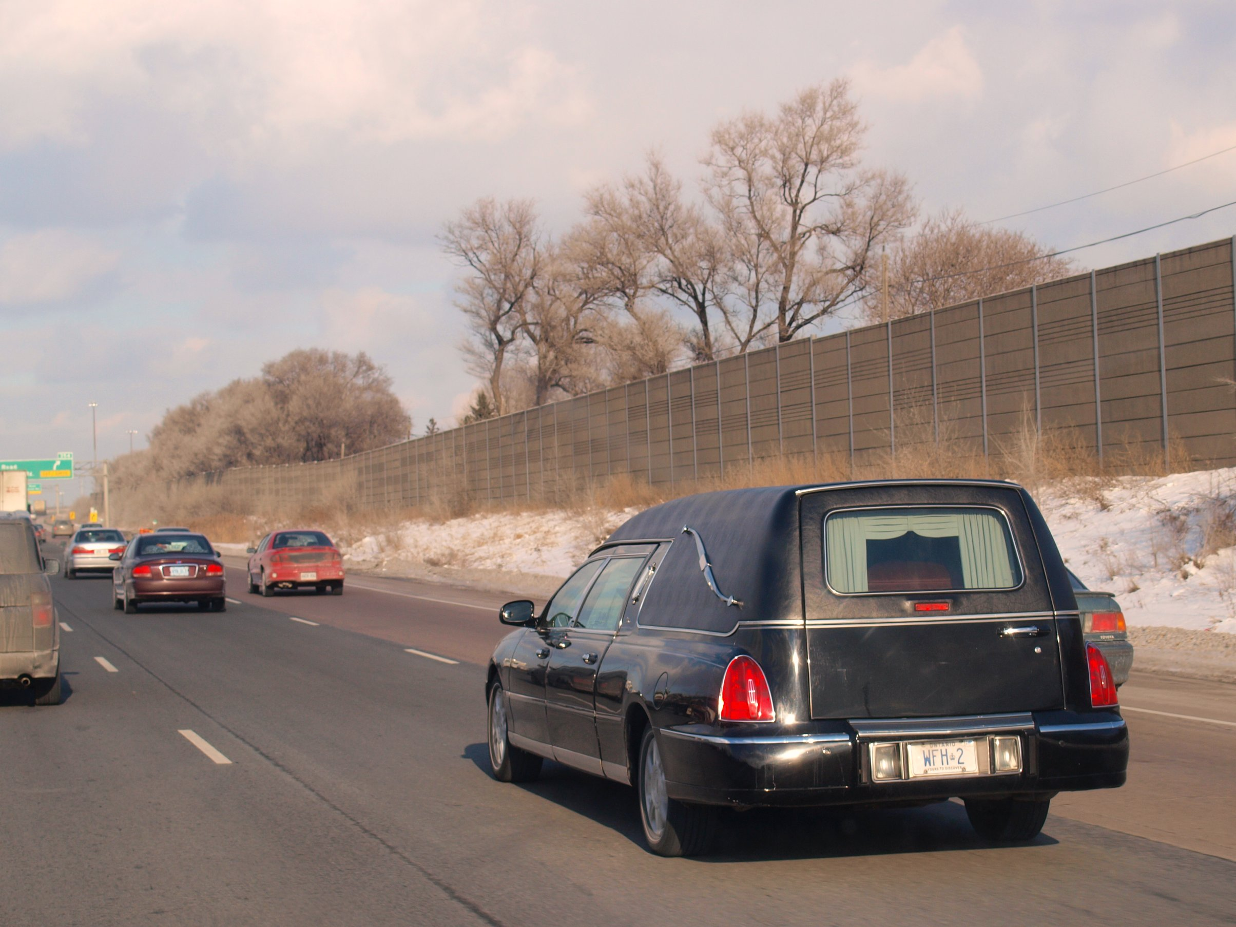 File Lincoln Town Car Hearse 5356078140 Jpg Wikimedia Commons