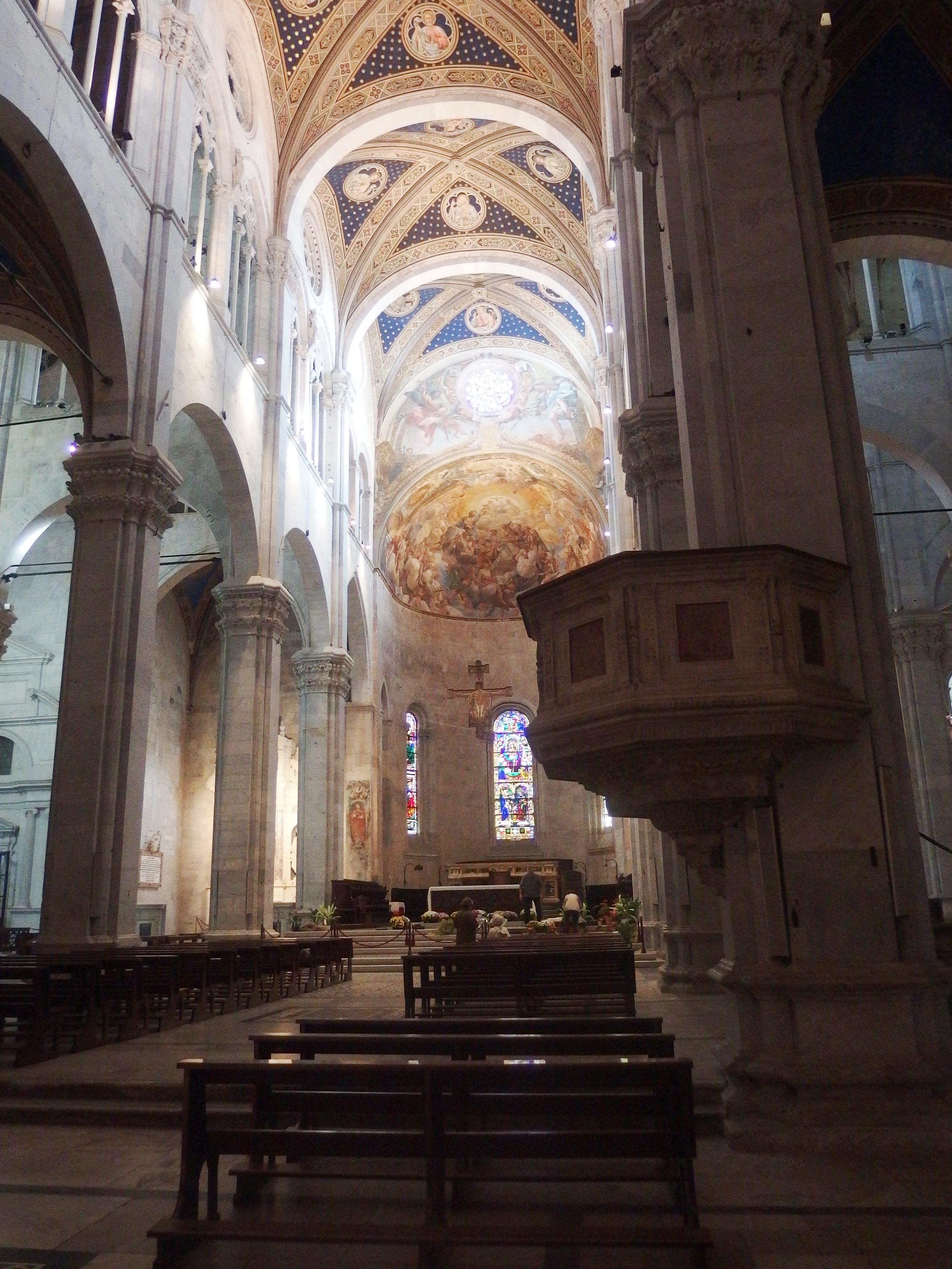 File Lucca Cattedrale Di San Martino Interno 2 Jpg Wikimedia Commons