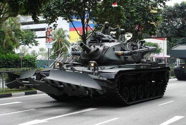 M728_Combat_Engineer_Vehicle_(CEV).jpg