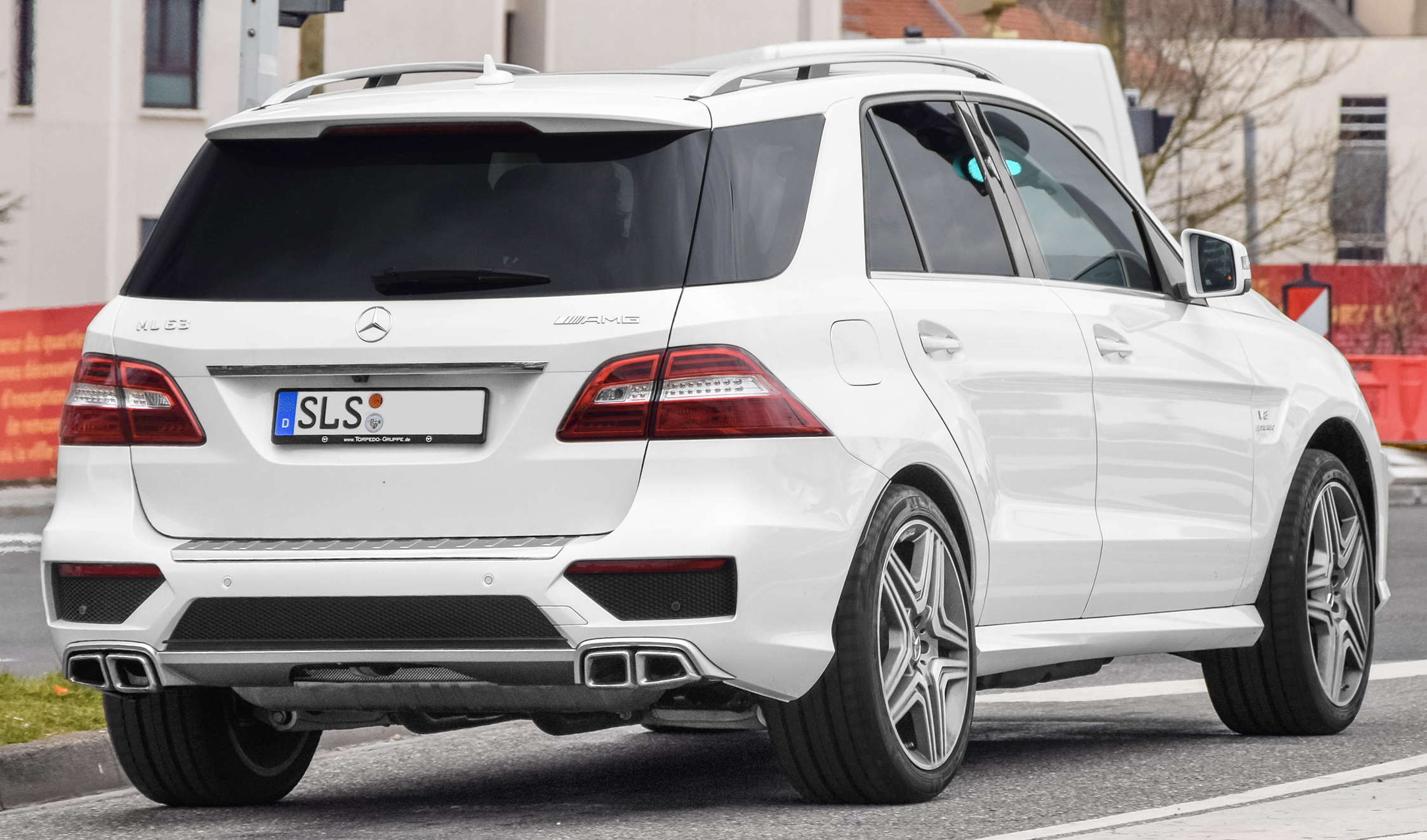 File:Mercedes Benz ML 63 AMG.jpg Wikimedia Commons