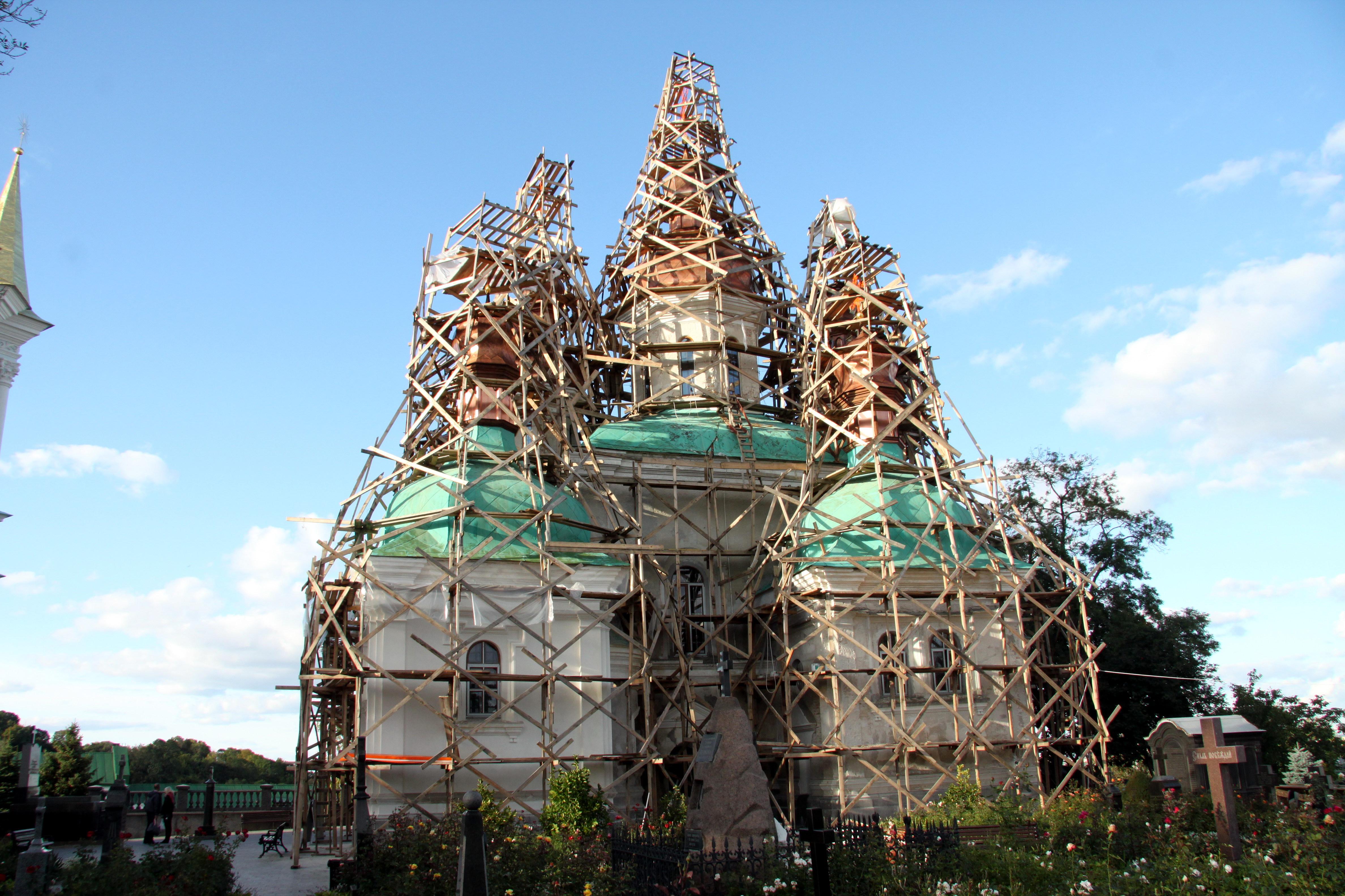 Nativity of the Theotokos Church, Kiev Pechersk Lavra. Under renovation. - Pechersk 613.jpg Українська: Церква Різдва Богородиці, Київ, Лаврська