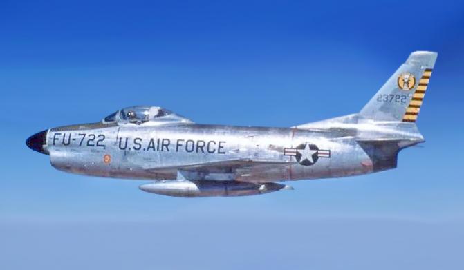 North_American_F-86D_%28722%29.jpg