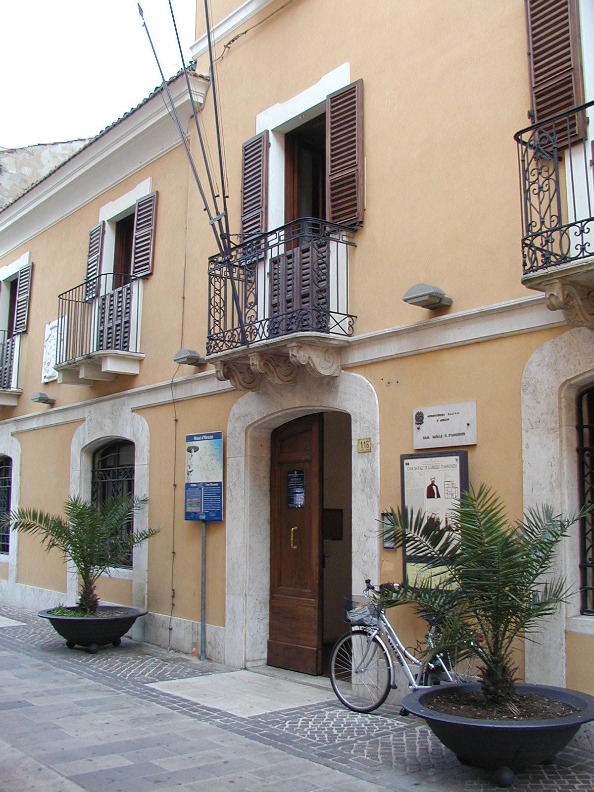 Pescara wikipedia la enciclopedia libre for Sedia di d annunzio