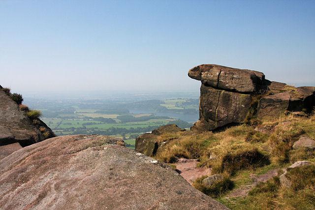 Rock outcrop on Hen Cloud - geograph.org.uk - 906652