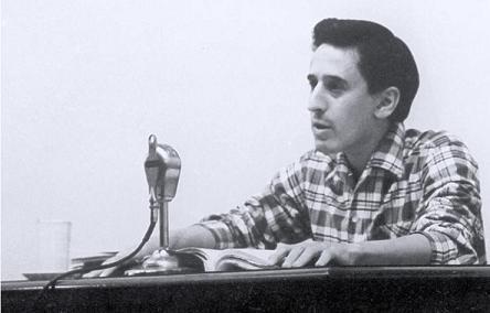 Roque Dalton en la entrega del Premio de Poesía de la Casa de las Américas en 1970.