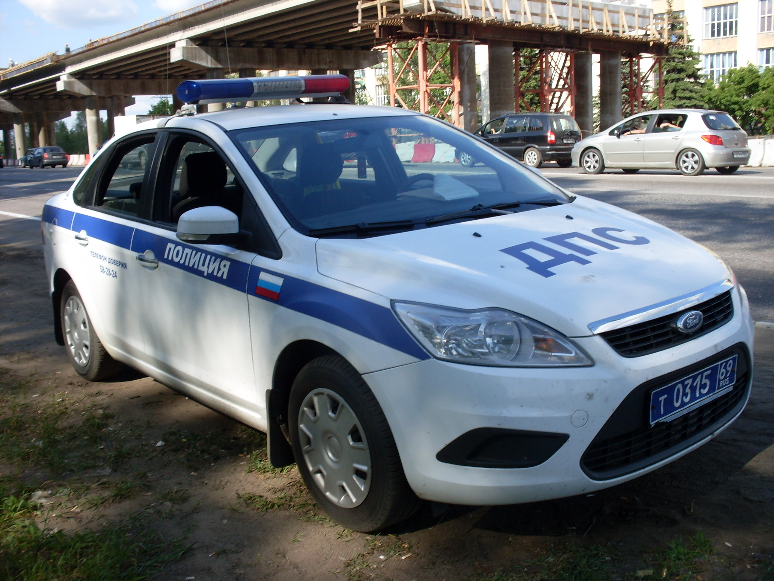 Russian_<b>Police</b>_car_Tver.jpg