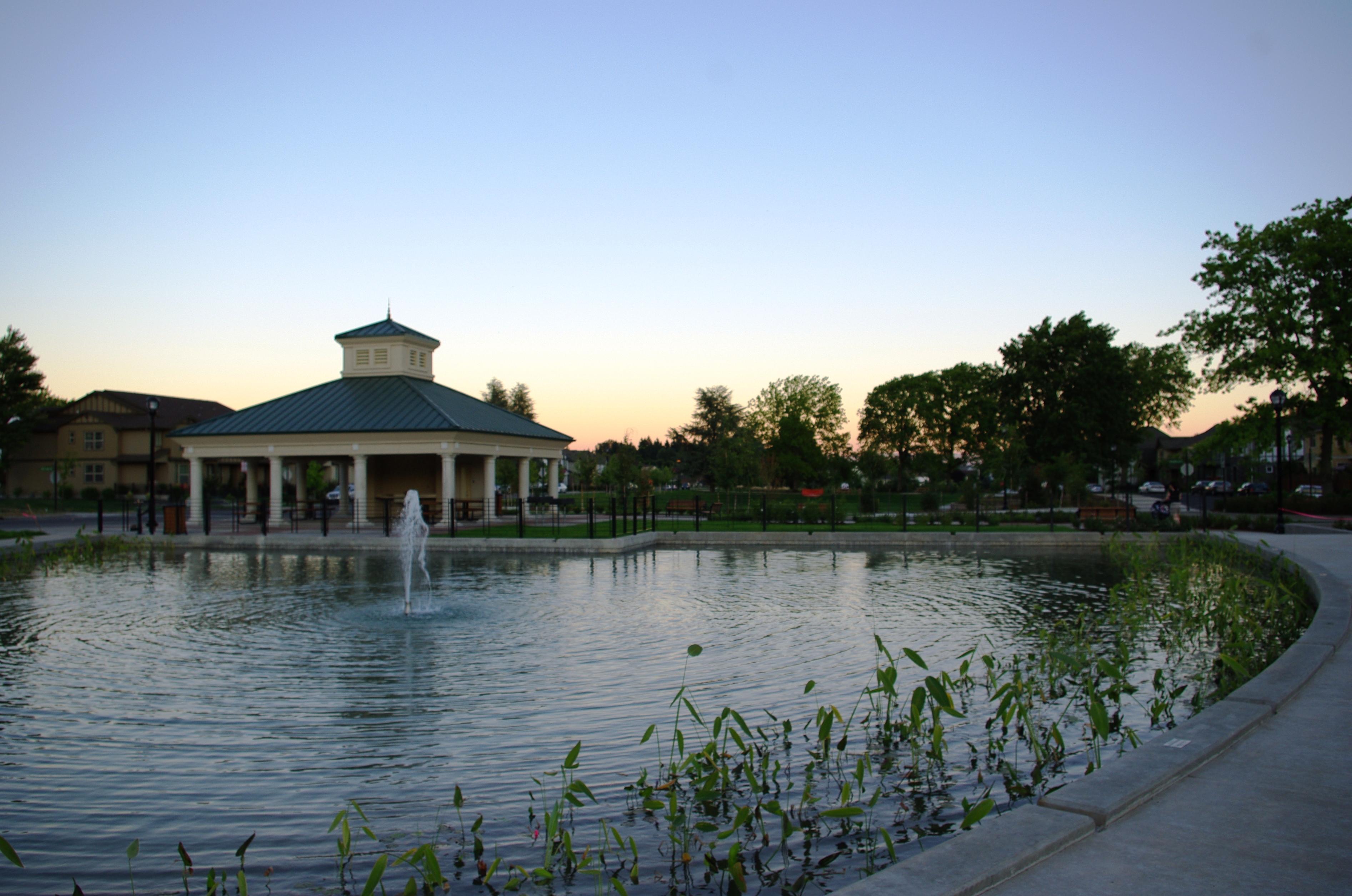 File:Sophia Park Wilsonville Oregon.JPG - Wikimedia Commons