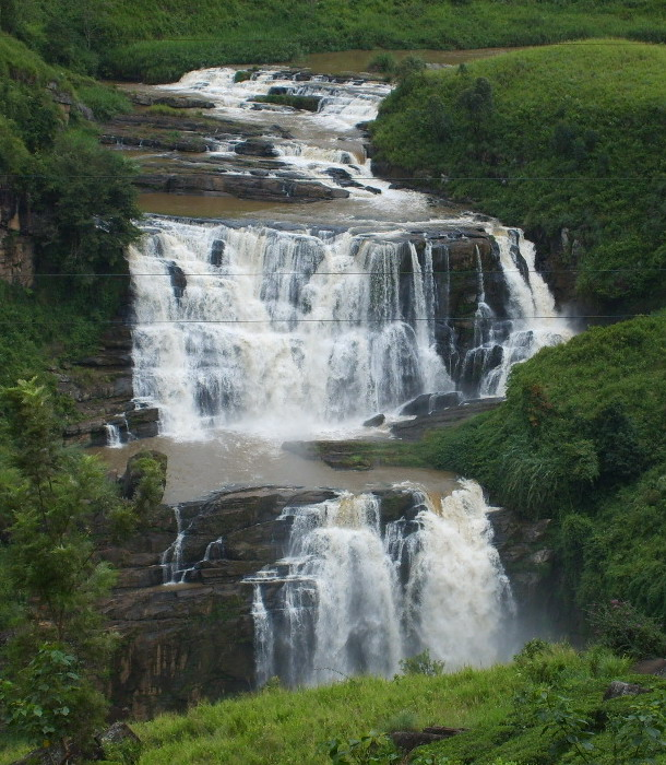 waterfalls of srilanka Stclair's falls | talawakele | goplaces sri lanka height : st clair's falls is one of the widest waterfalls in sri lanka it is called the little niagara of sri lanka and is one of the most politically discussed environmental entities in sri lanka.
