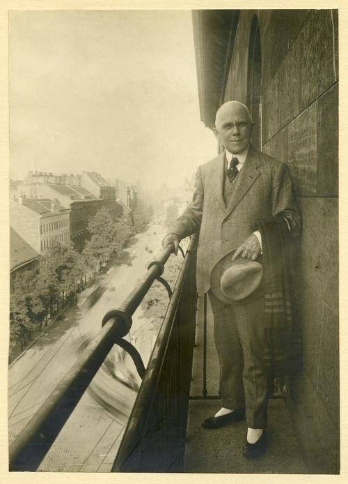 Vedeli ste, že… v roku 1922 vyšla v new yorku brožúra o