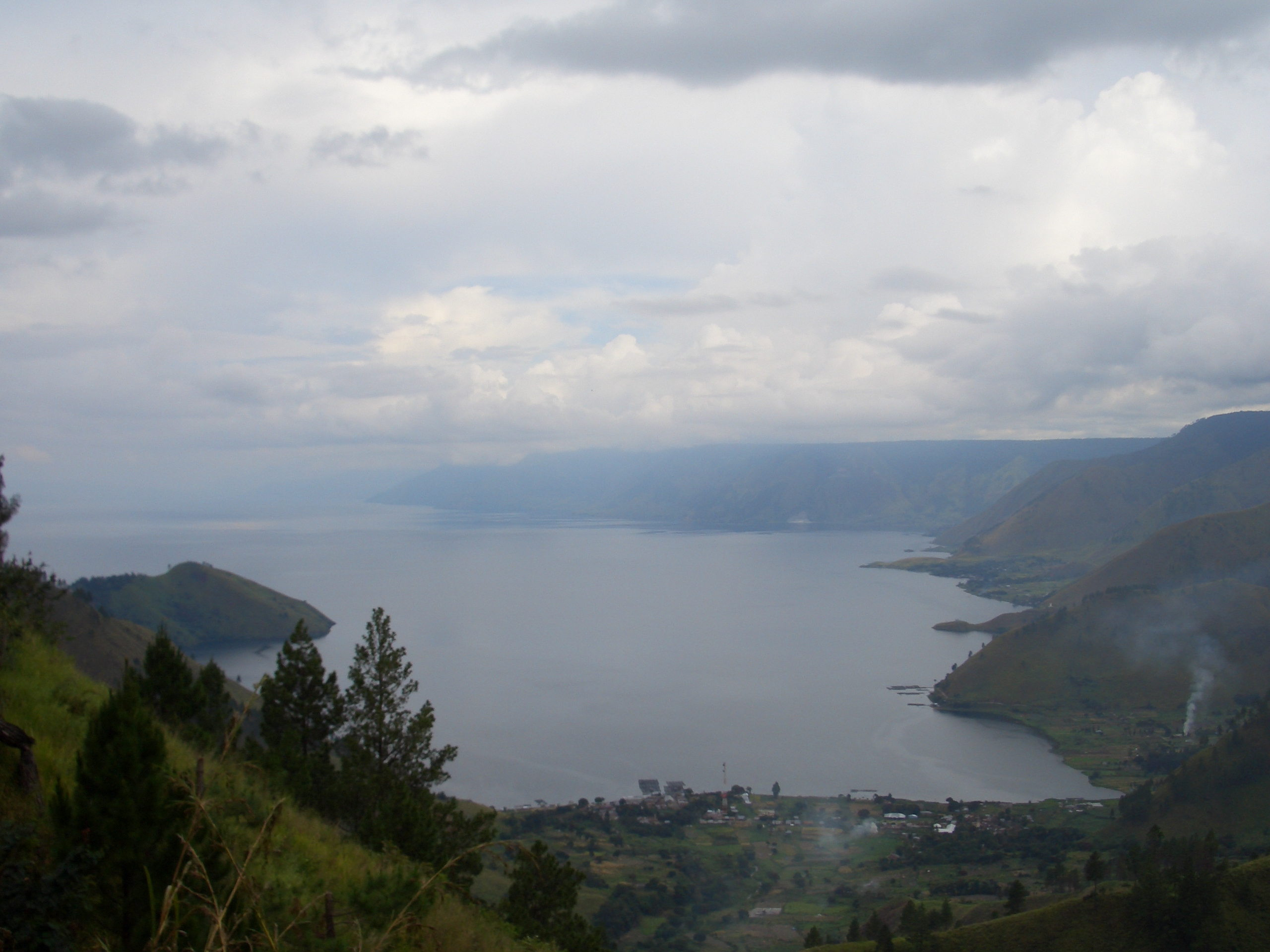 Deskripsi Toba Lake View.JPG