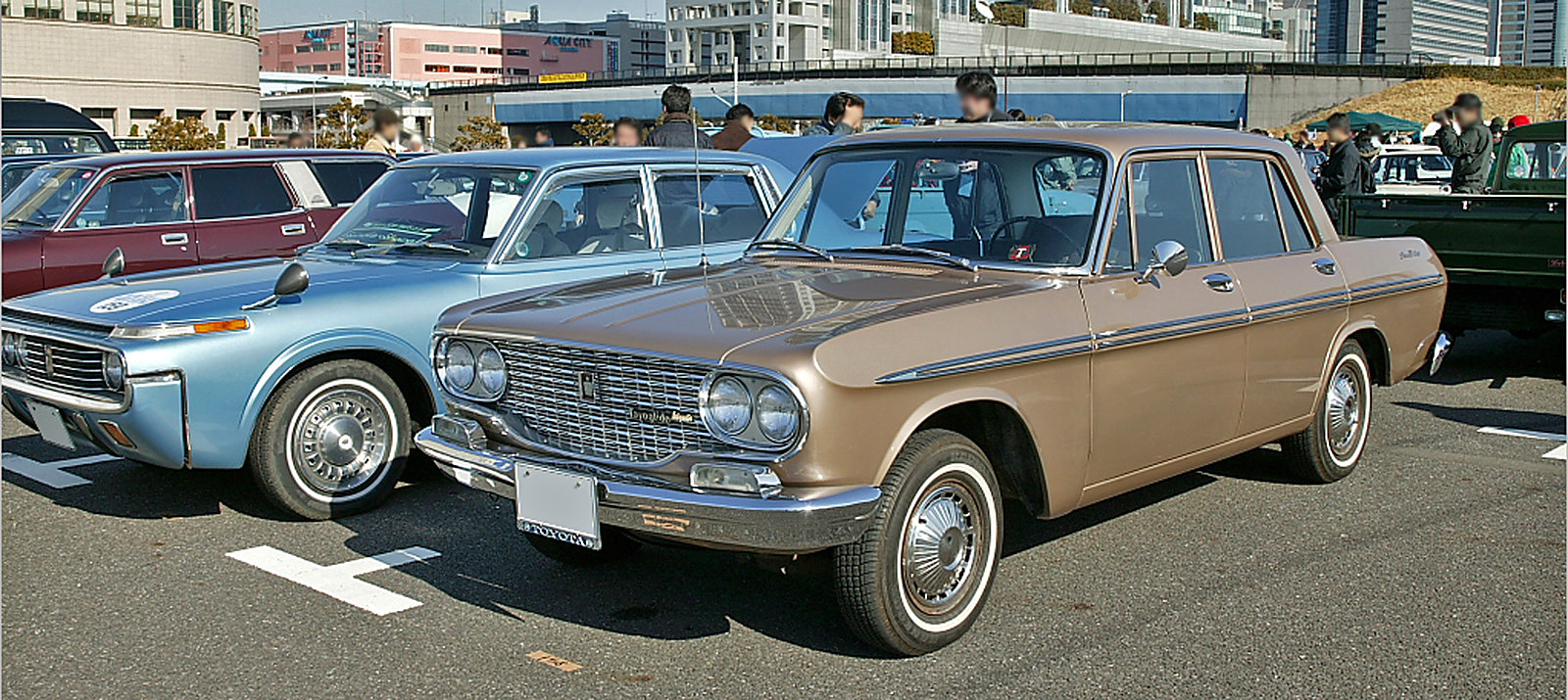 ������ �������������������������������� ......����� ���� Toyopet_Crown_RS41_001.jpg