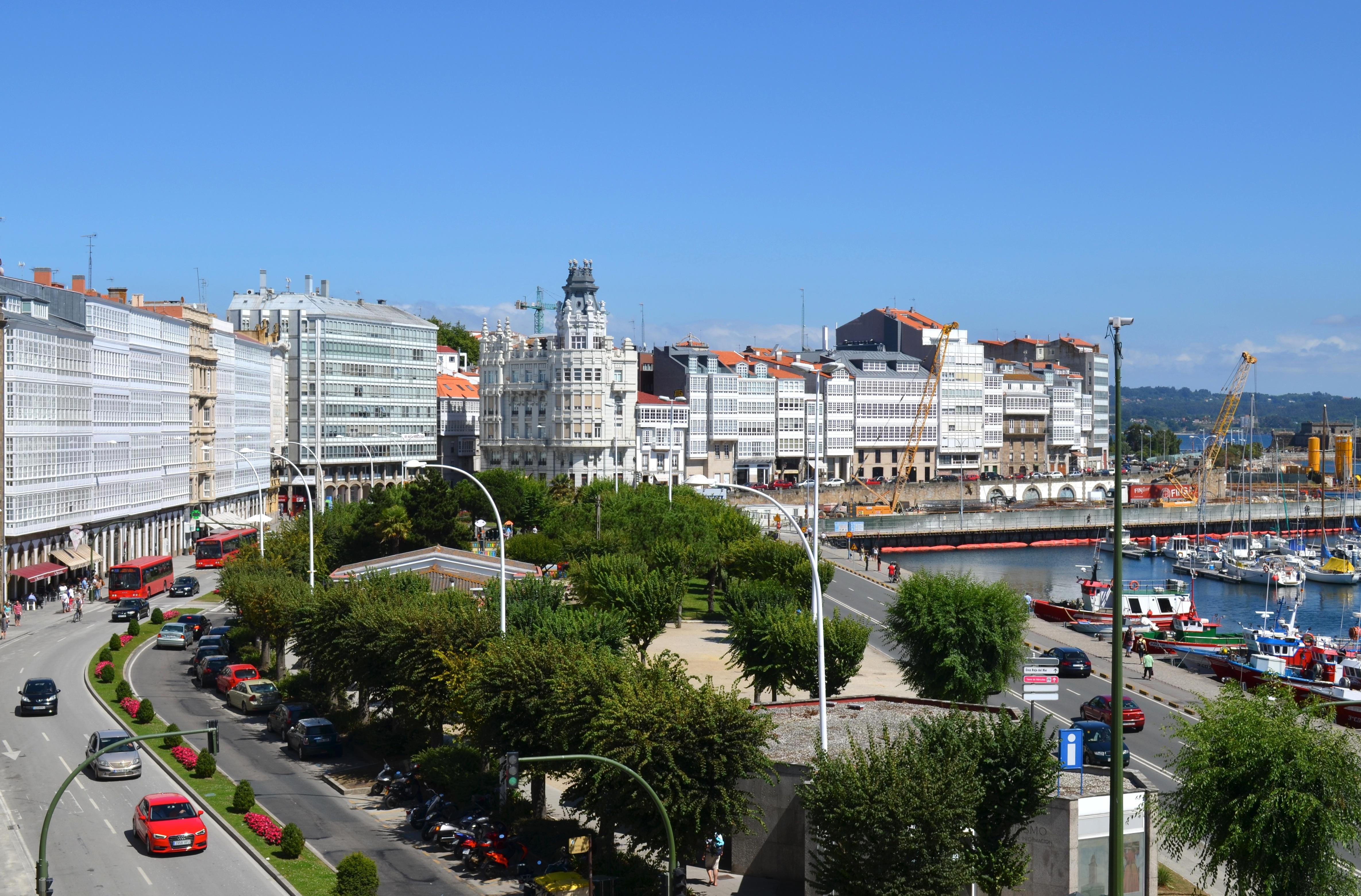 File Vista De La Avenida De La Marina Desde La Parte De Atrás De La Biblioteca Provincial De A Coruña Jpg Wikimedia Commons