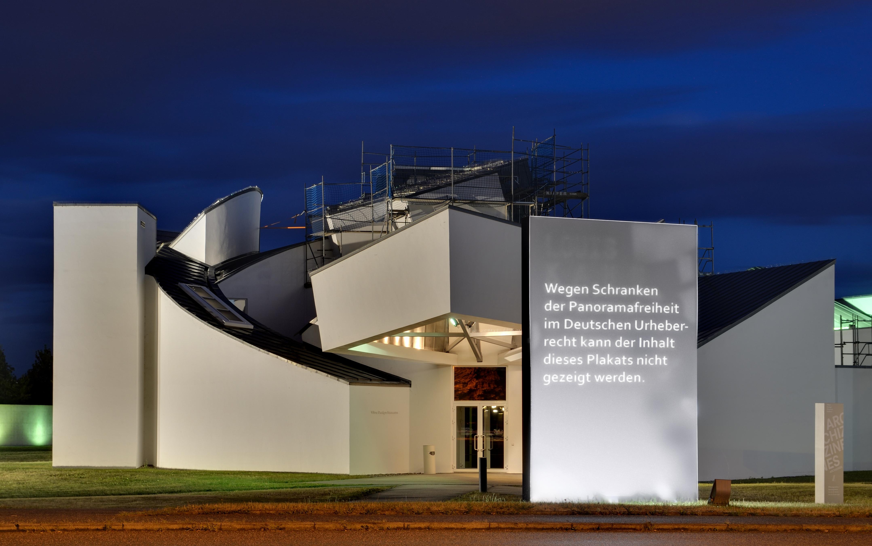 file vitra design museum nachts1 with result of. Black Bedroom Furniture Sets. Home Design Ideas