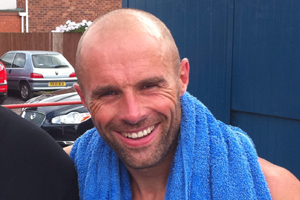 Paul Warne English footballer and manager