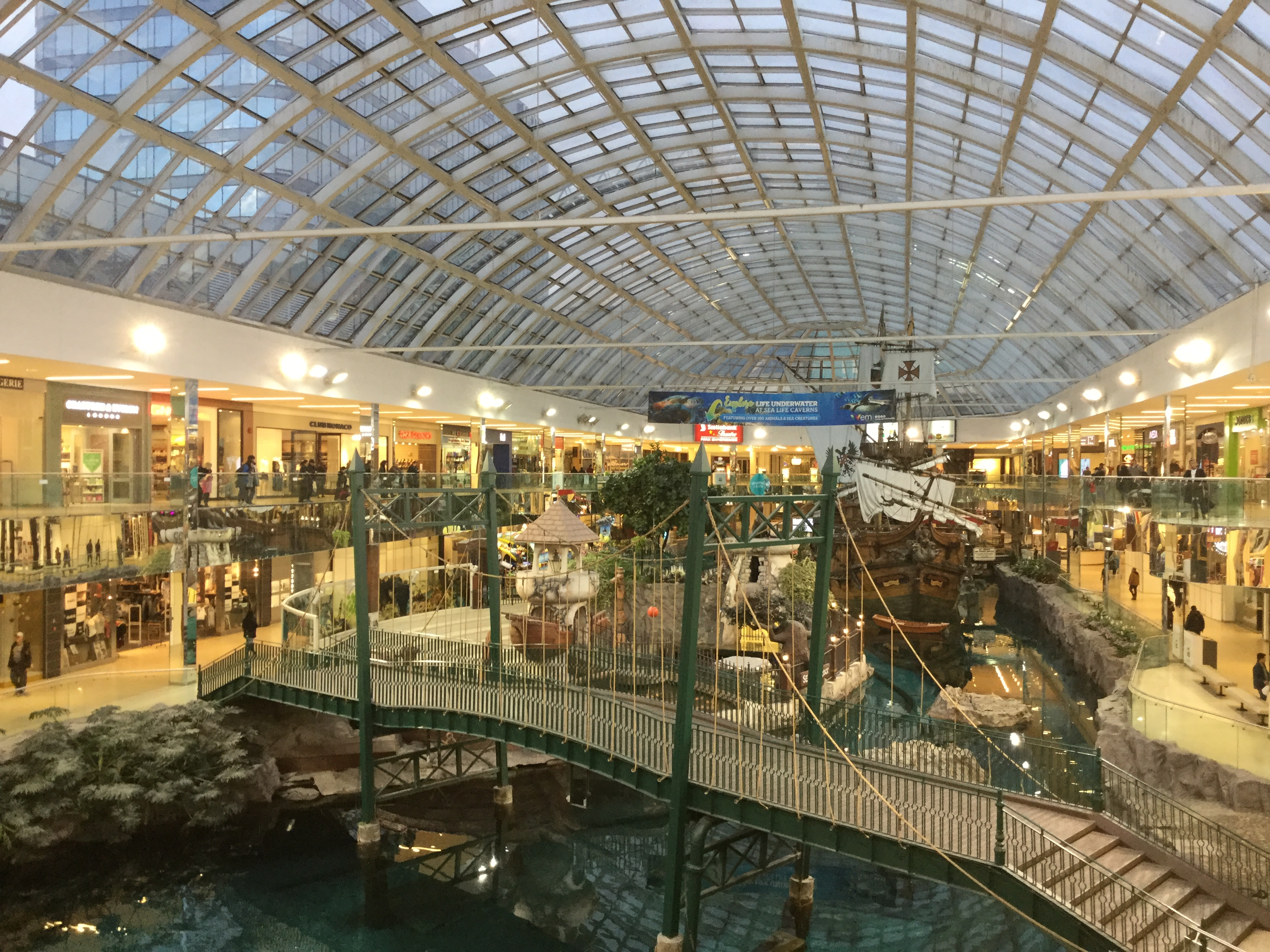 Hotels In West Edmonton Mall