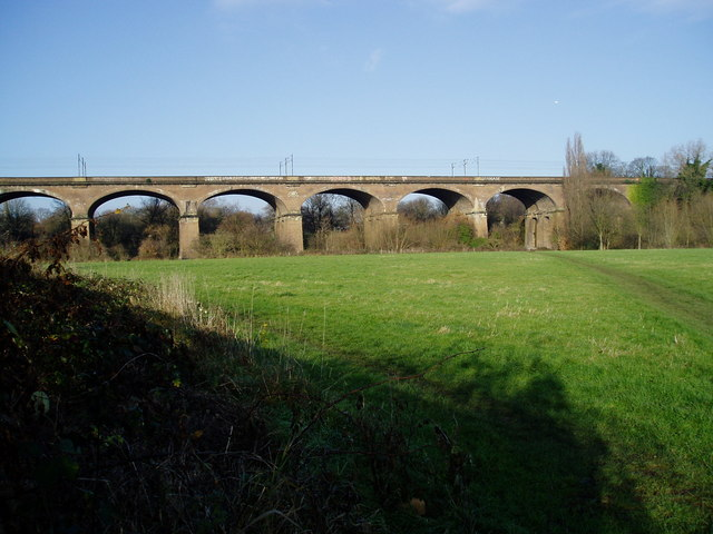 Wharncliffe Viaduct from Brent Meadow - geograph.org.uk - 1068396