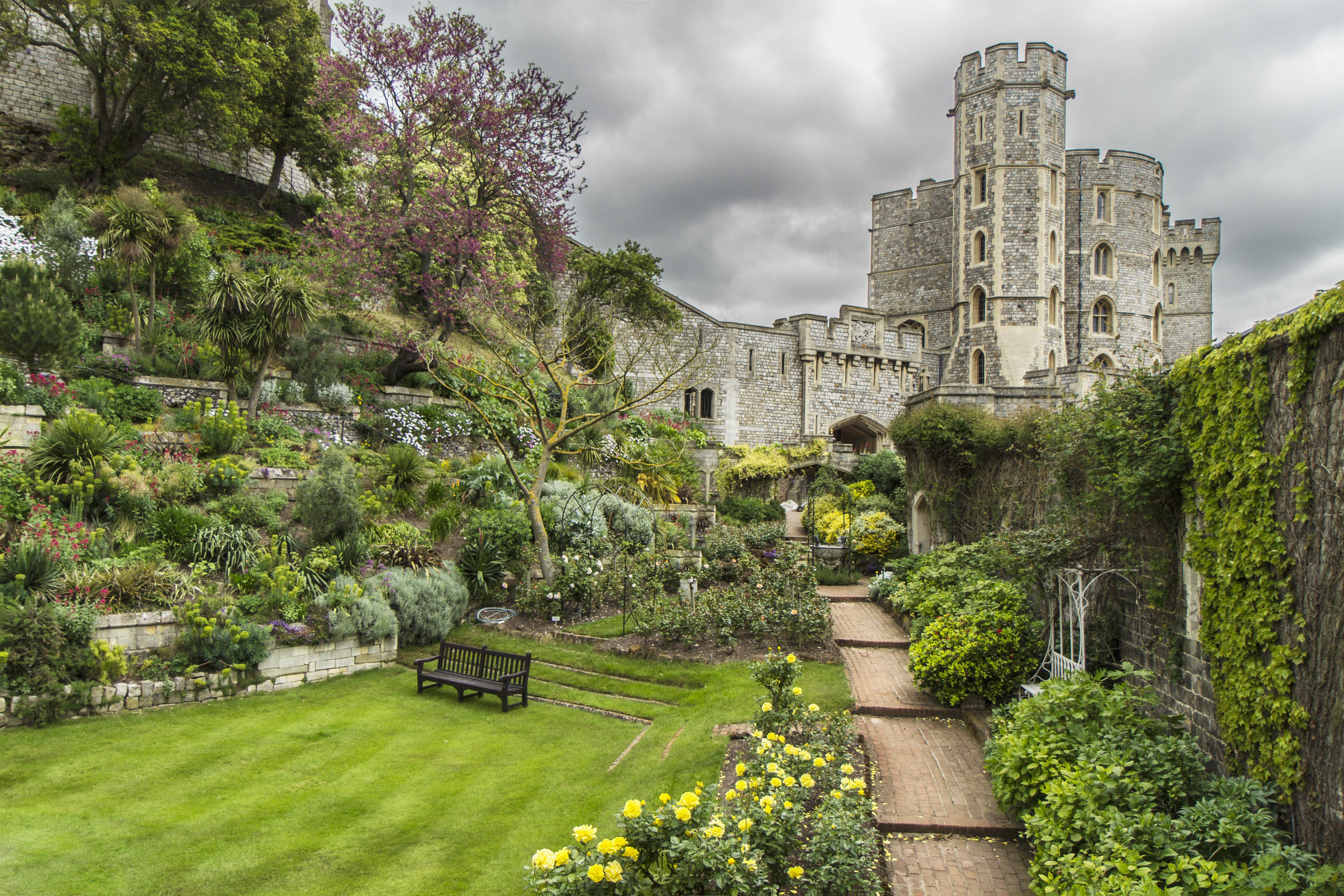 File:Windsor-castle.jpg