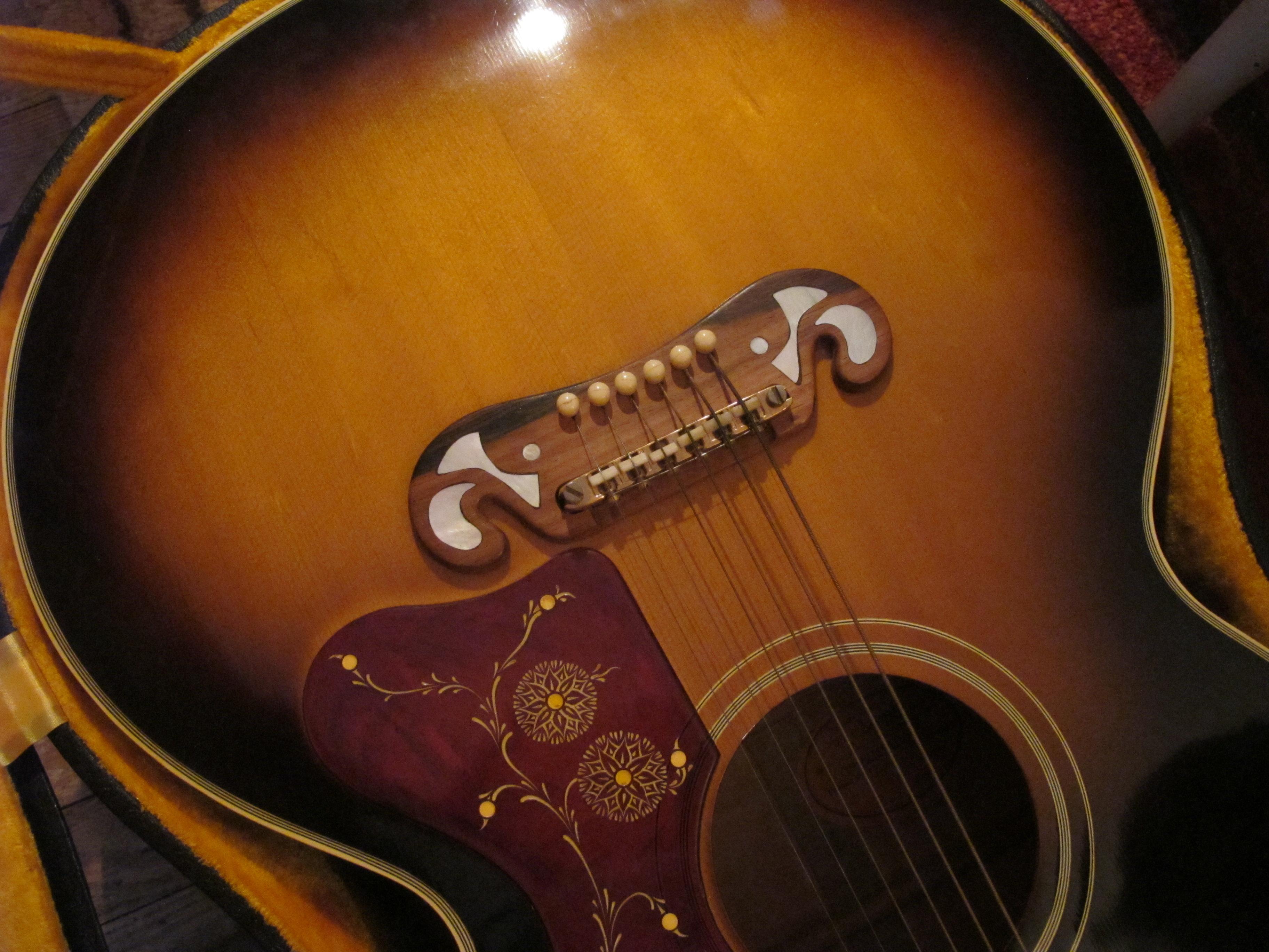 File:1964 Gibson J-200 Custom (SN 67437) bridge inlay, pristine